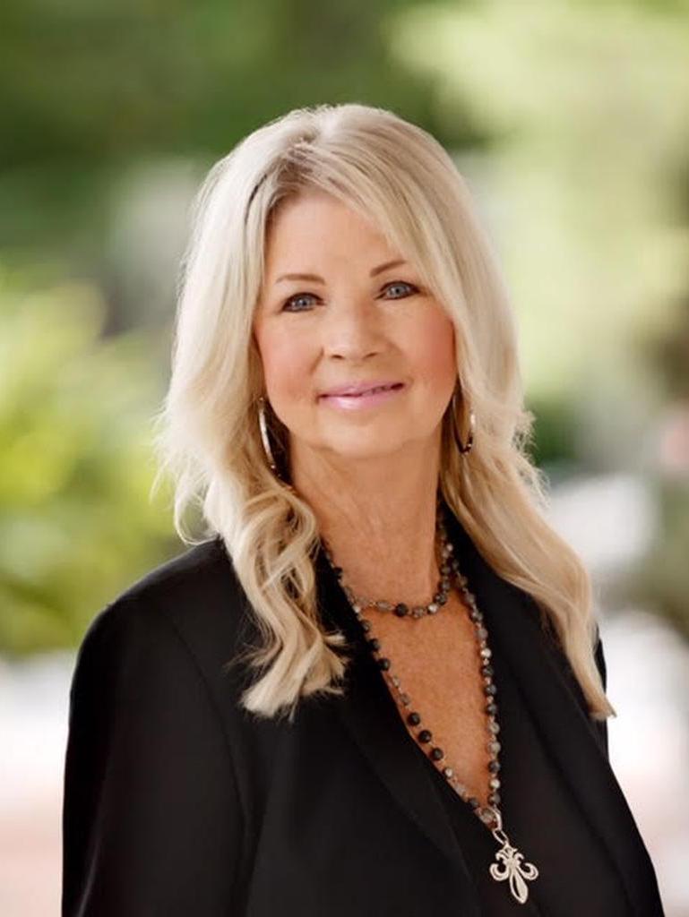 Julie Axon Profile Photo