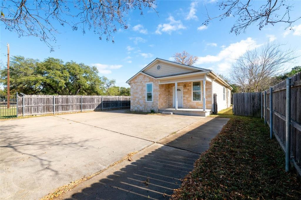 702 Hines Avenue Property Photo