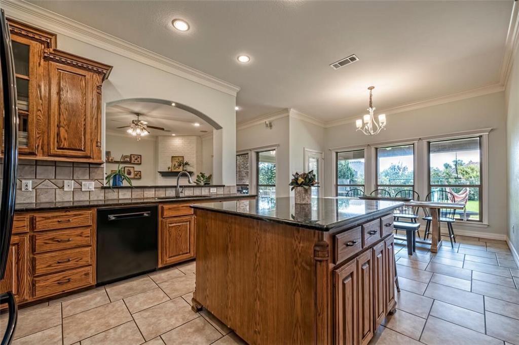 324 N Cedar Ridge Circle Property Picture 4
