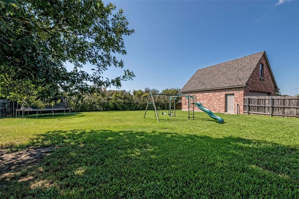 324 N Cedar Ridge Circle Property Picture 6