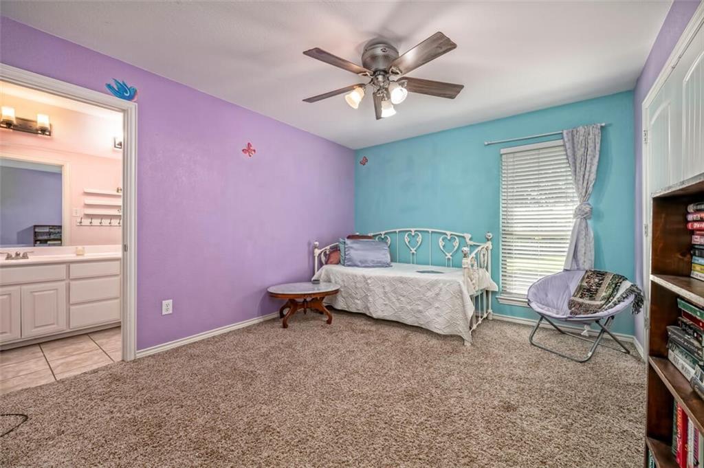 324 N Cedar Ridge Circle Property Picture 11