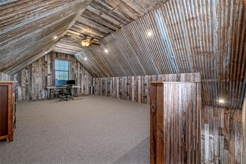 324 N Cedar Ridge Circle Property Picture 24