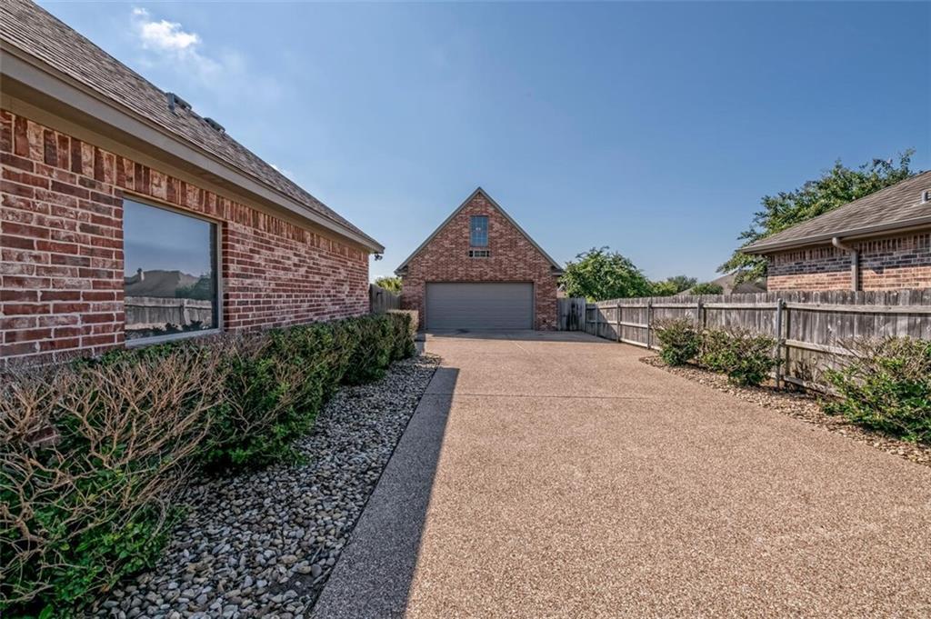 324 N Cedar Ridge Circle Property Picture 34