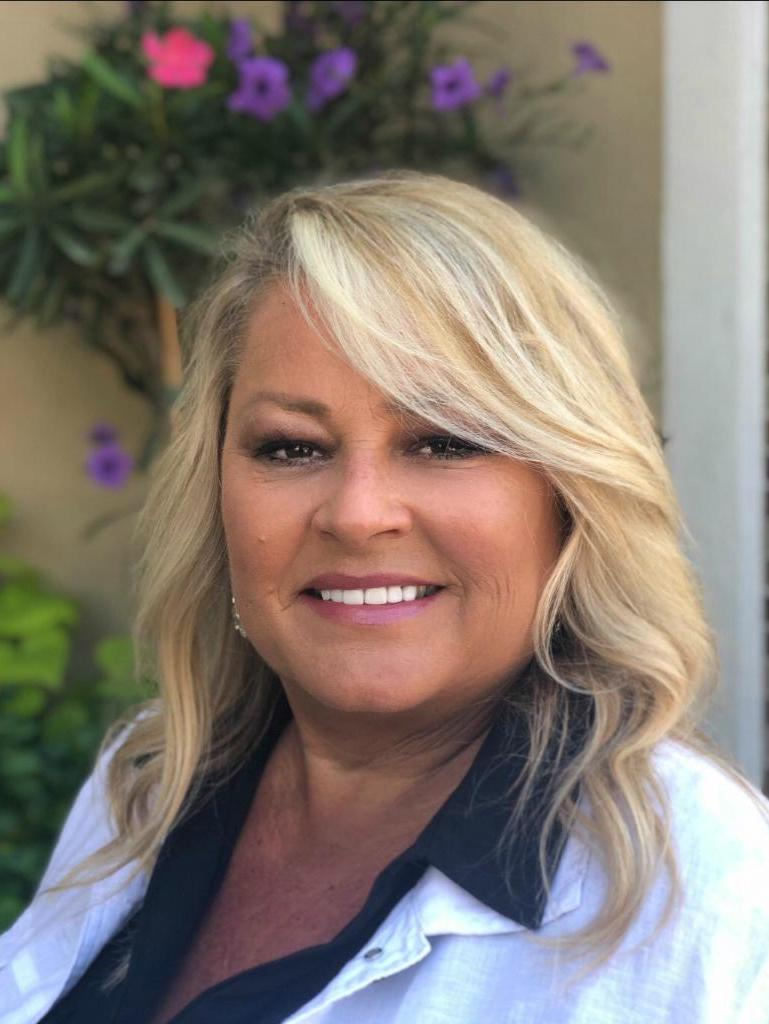 Julie Meeks profile image