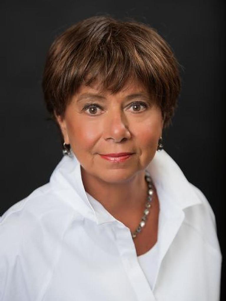 Joanne Chew Profile Image
