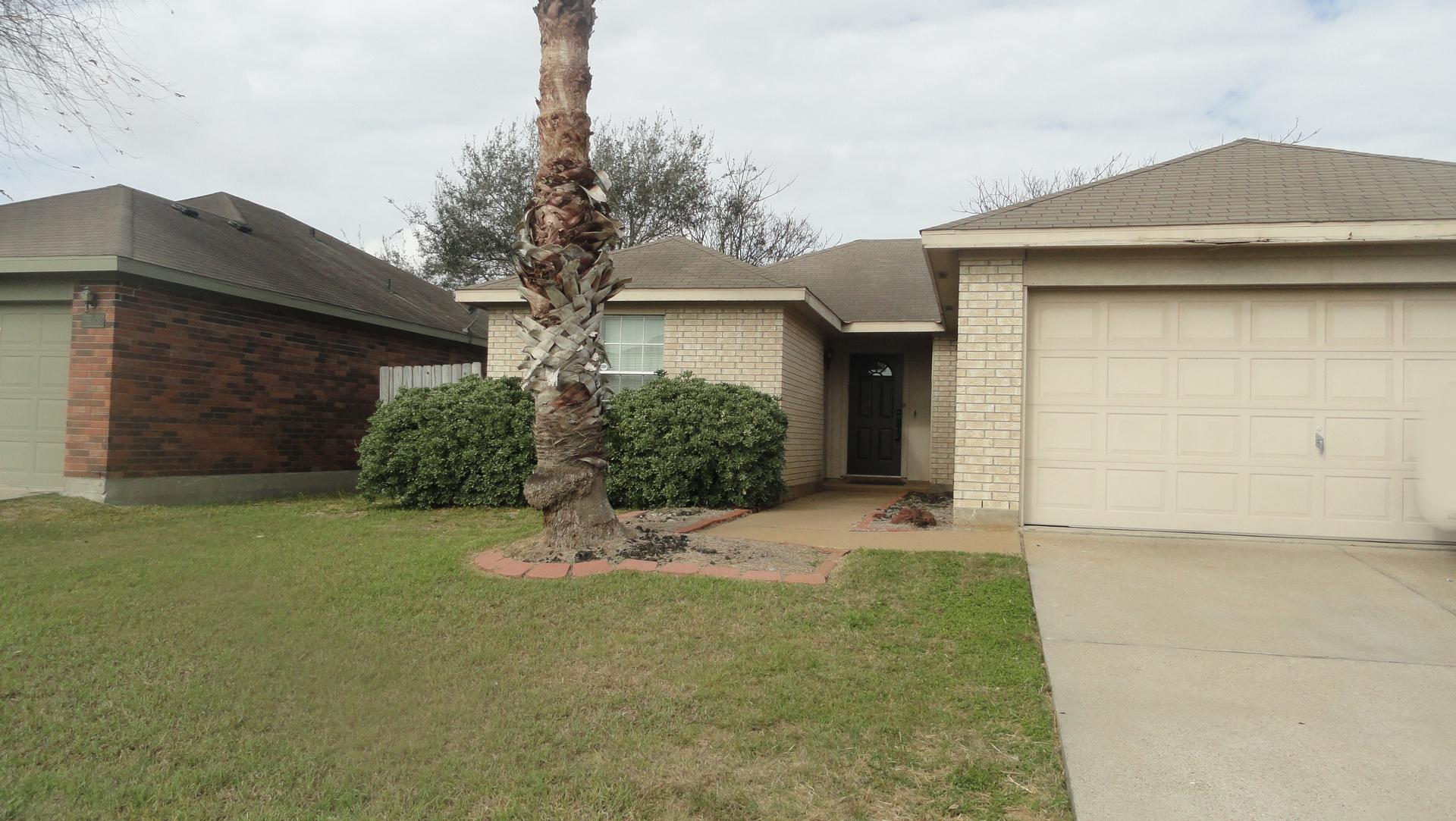 7925 Wolf Dr. Property Photo