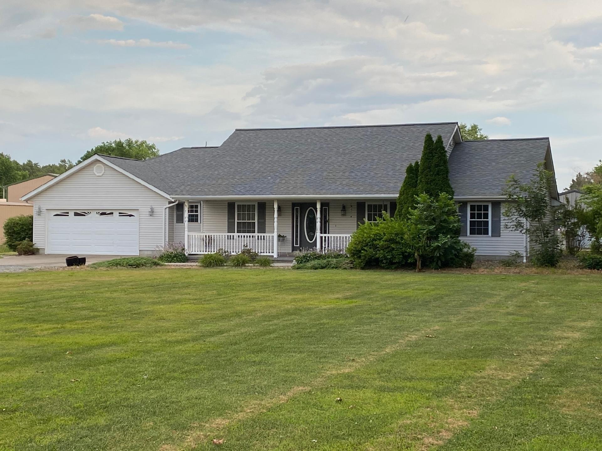 110 W Smith Street Property Photo 1