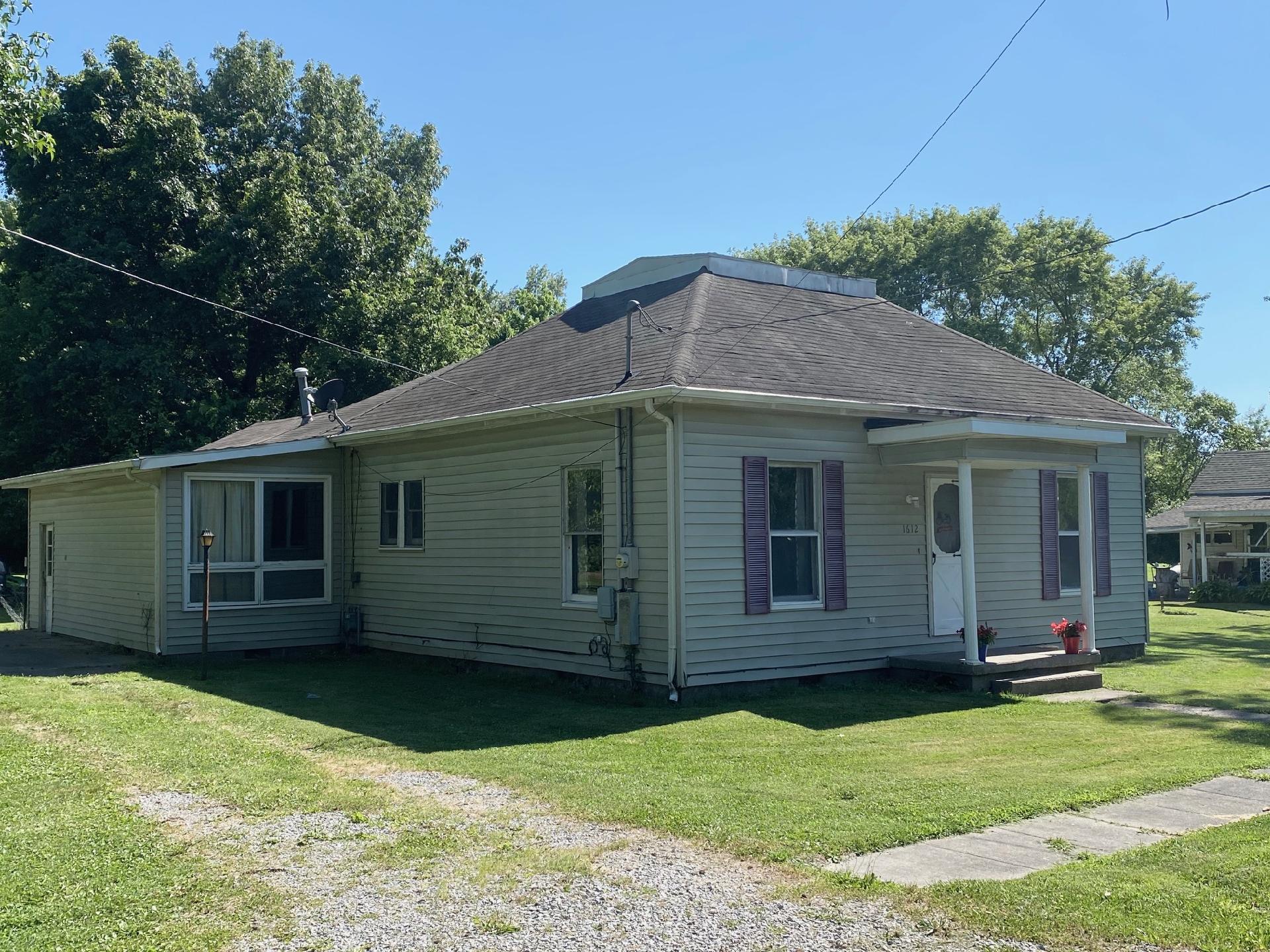 1612 W Cherry Street Property Photo 1
