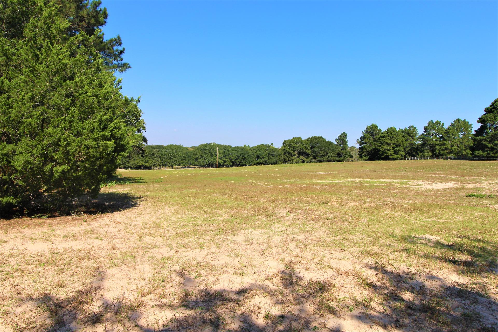 506 Oak Creek Road Property Photo 1