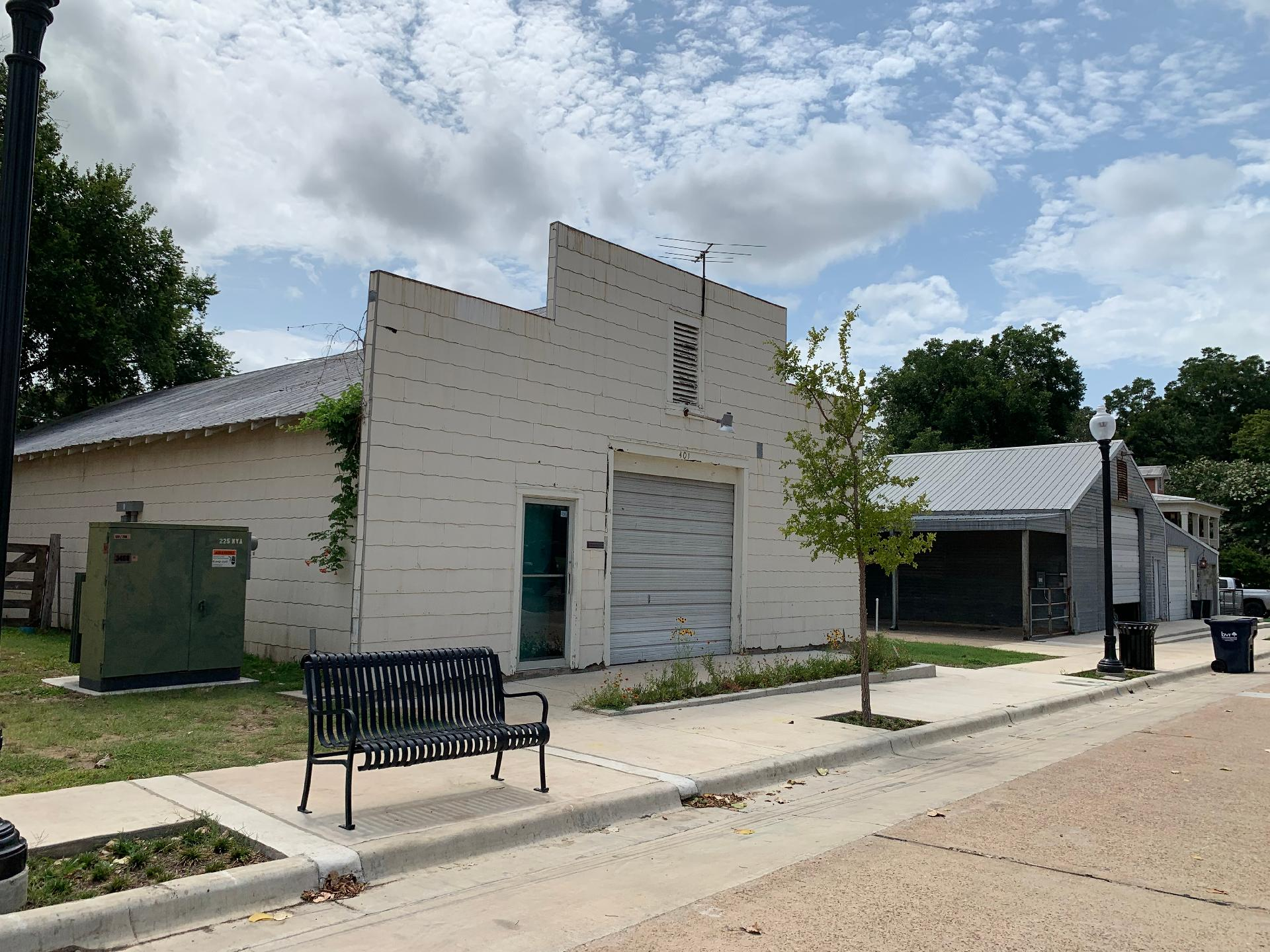 401-407 S Park Street Property Photo 1