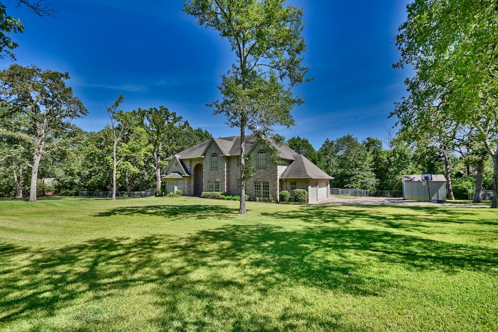 3810 Briarwood Drive Property Photo 1