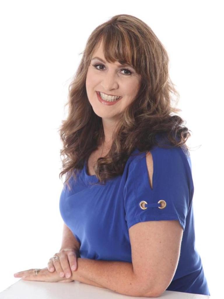 Holly Hobbs Profile Photo