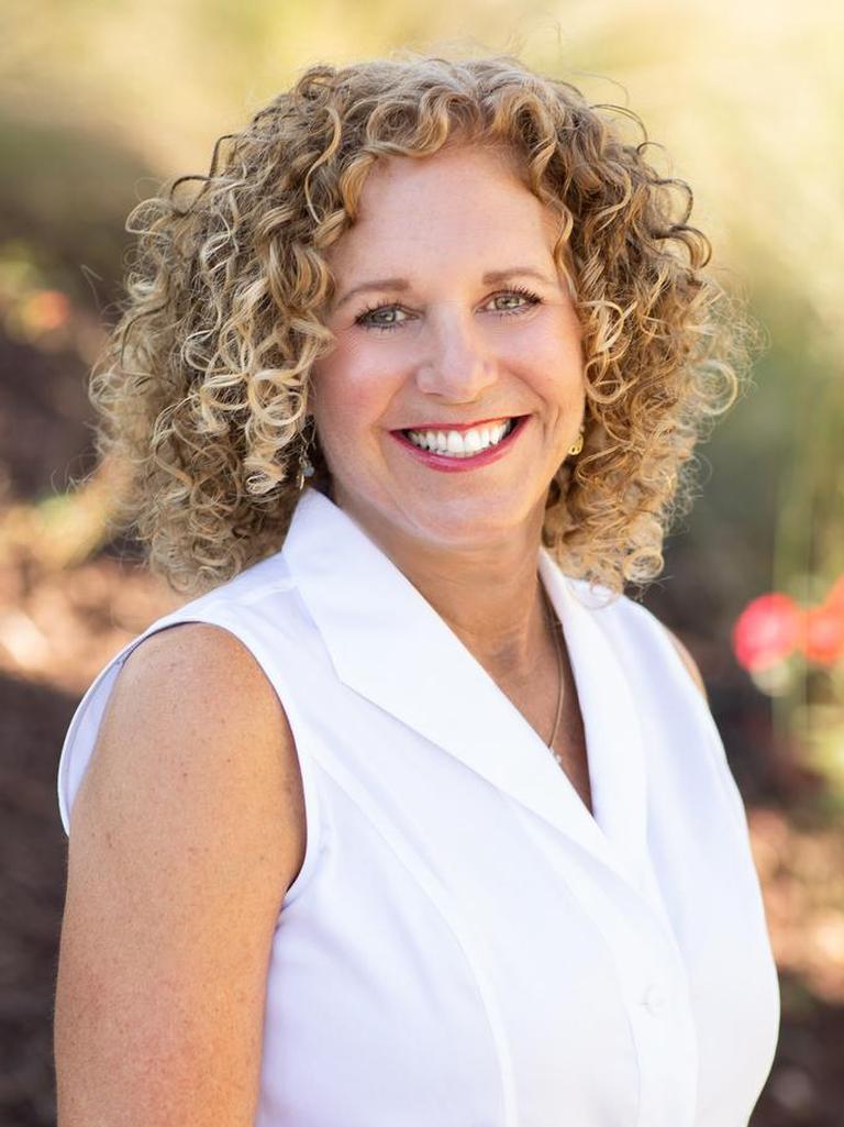 Denise Lucky Profile Photo