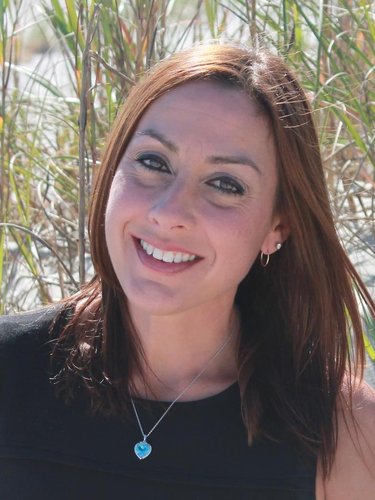 Vicki Fattoross Profile Photo