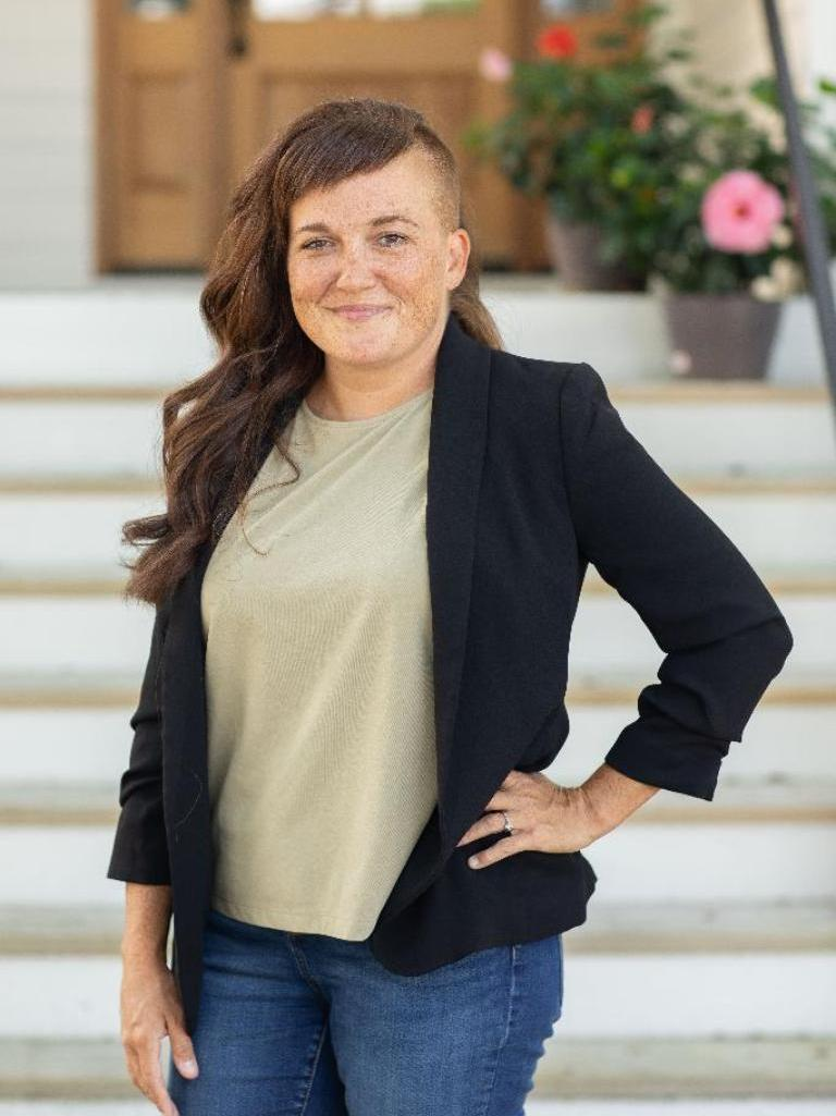 Elena Woodard Profile Photo