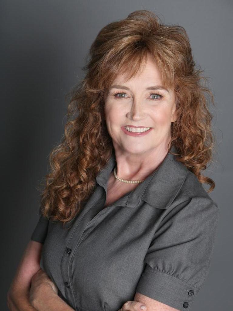 Nora Ruehle Profile Photo