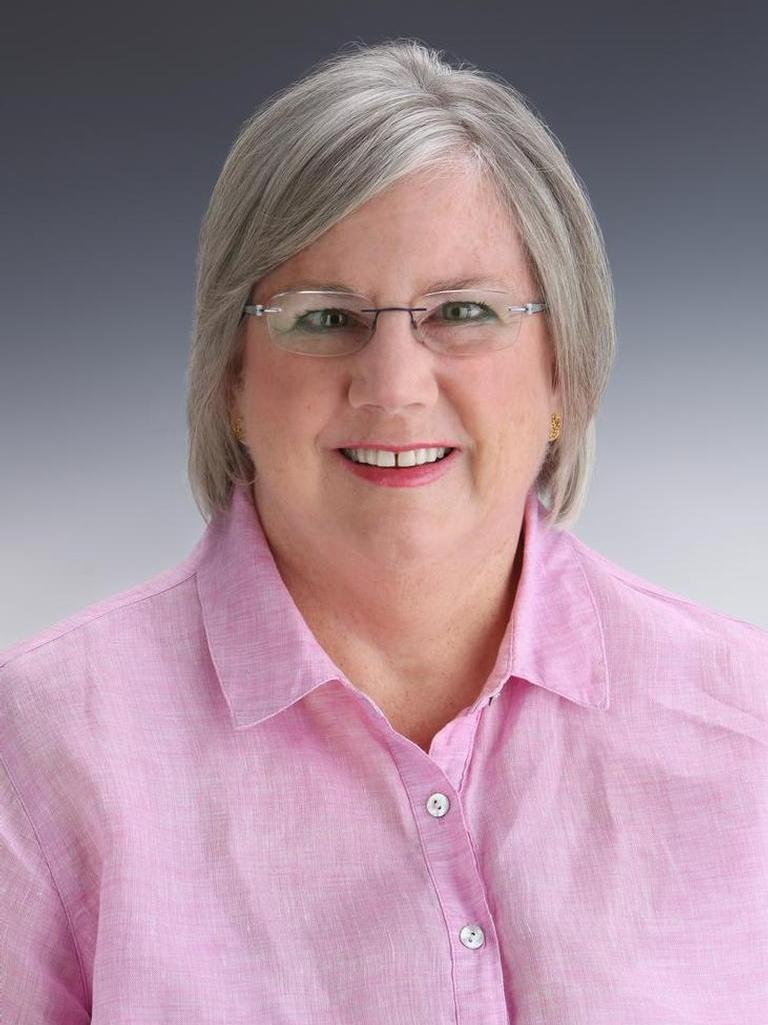 Elizabeth Simmons Profile Photo