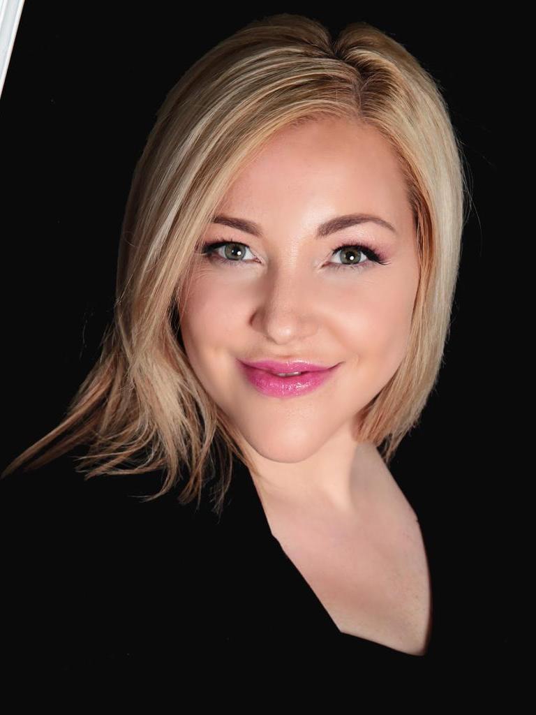Katie Kosma Profile Photo
