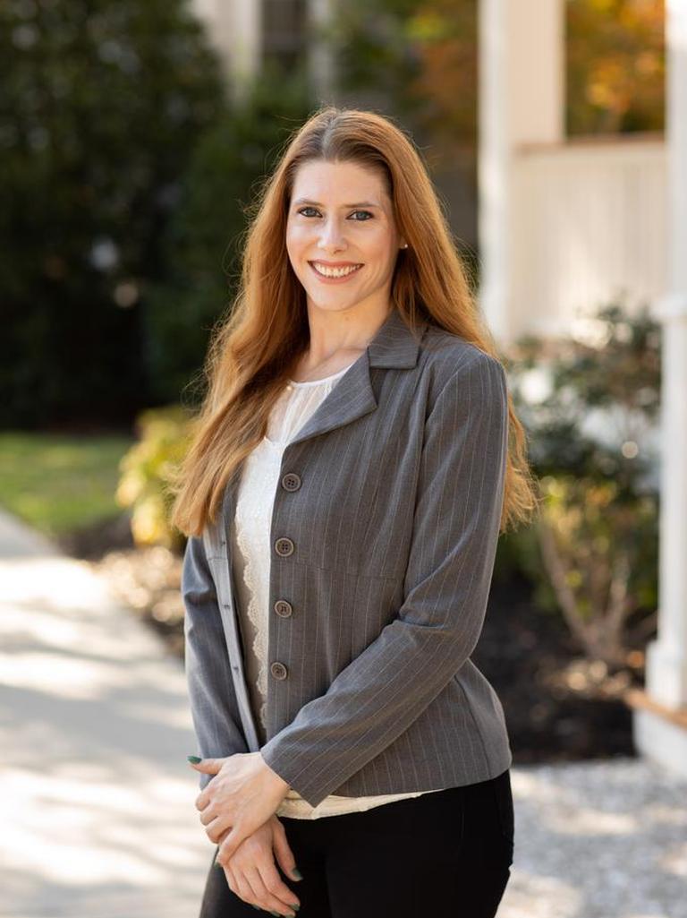 Elizabeth Joy Burns Profile Photo