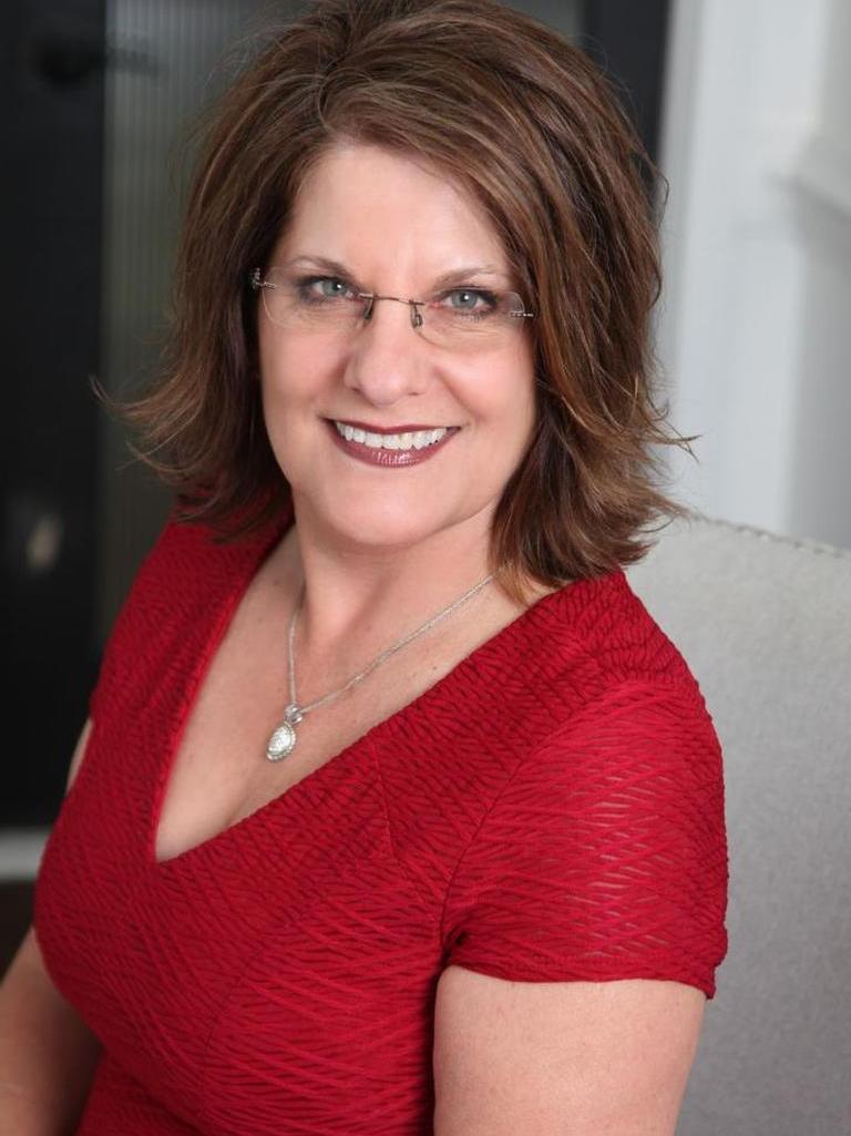 Jennifer Moore Profile Photo