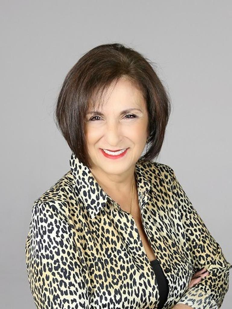 Leonor Carnoske Profile Photo