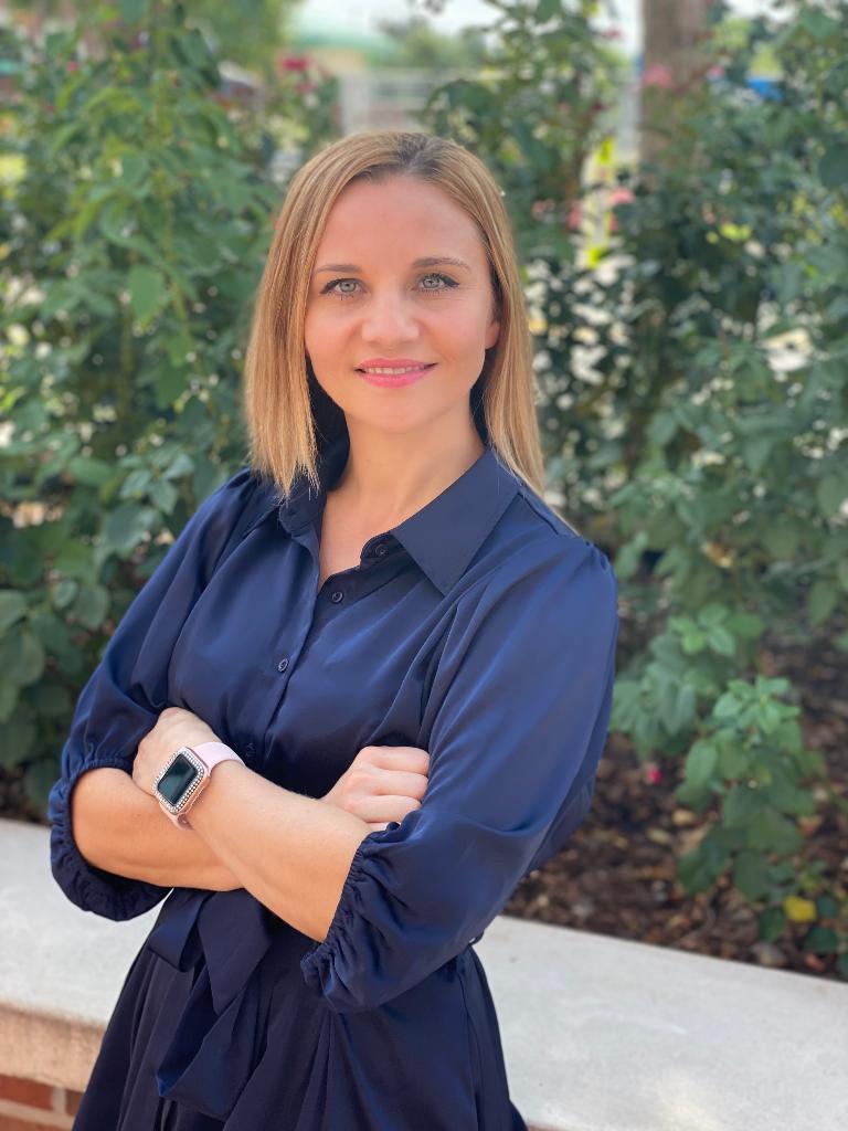 Elena Sanders Profile Photo