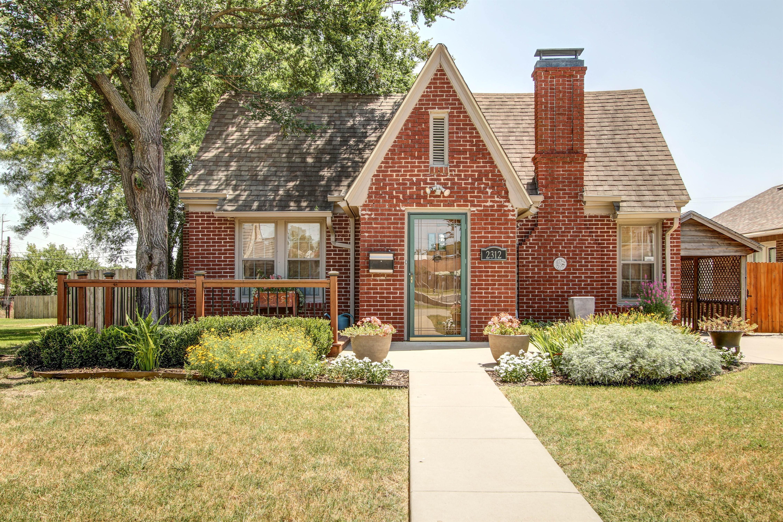 2312 E 5th Place Property Photo