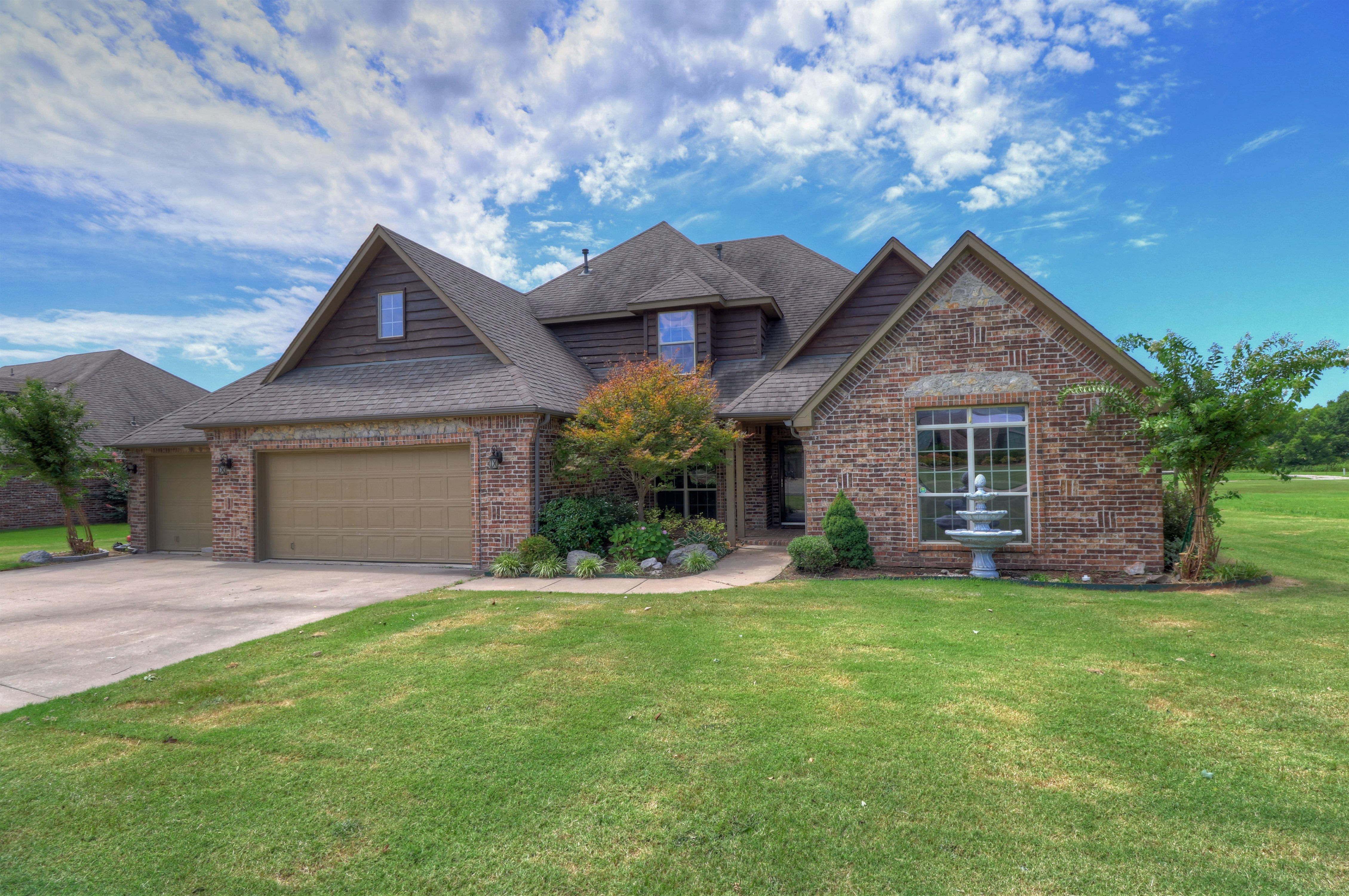 26712 Duck Pond Drive Property Photo