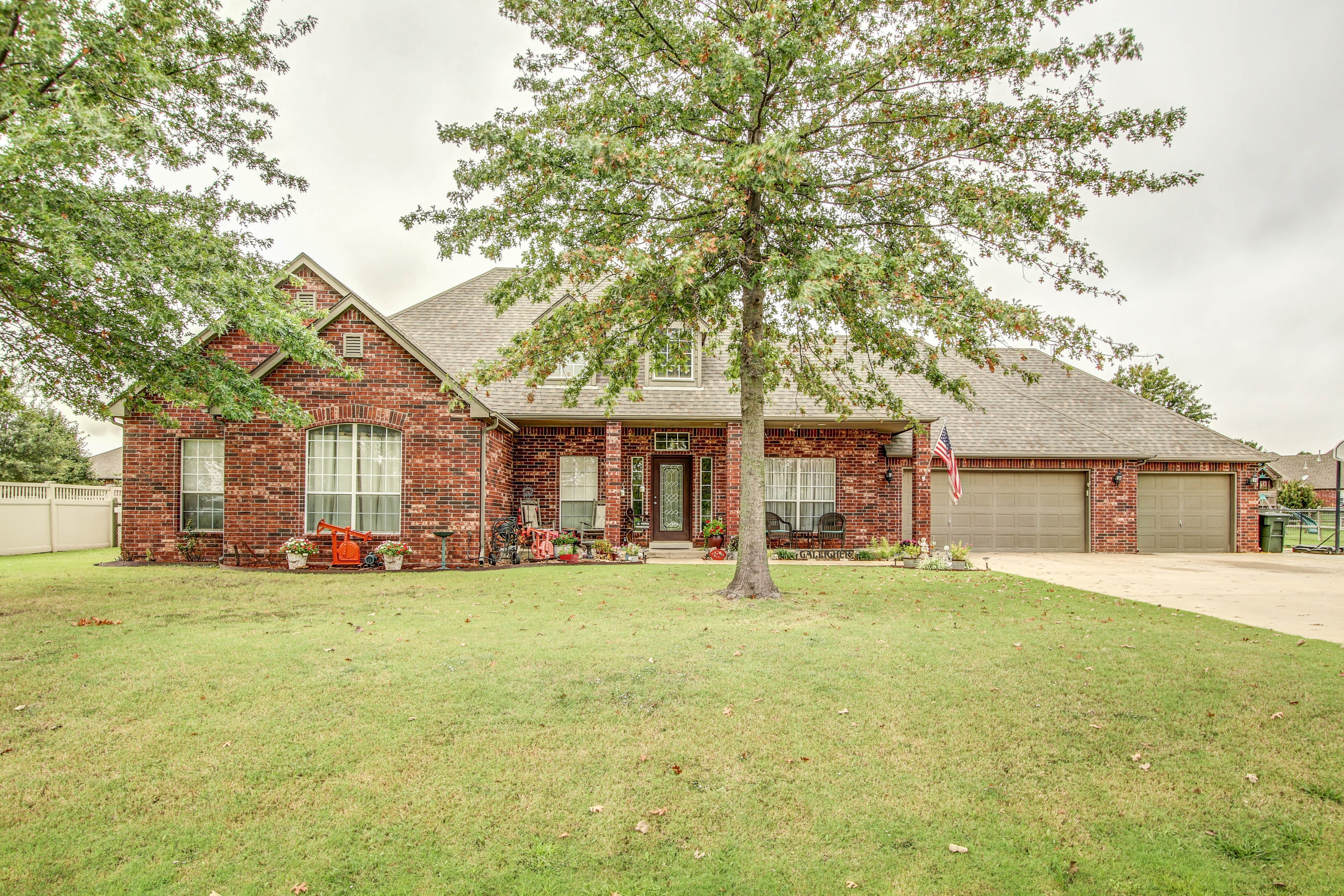 300 Deer Creek Lane Property Photo