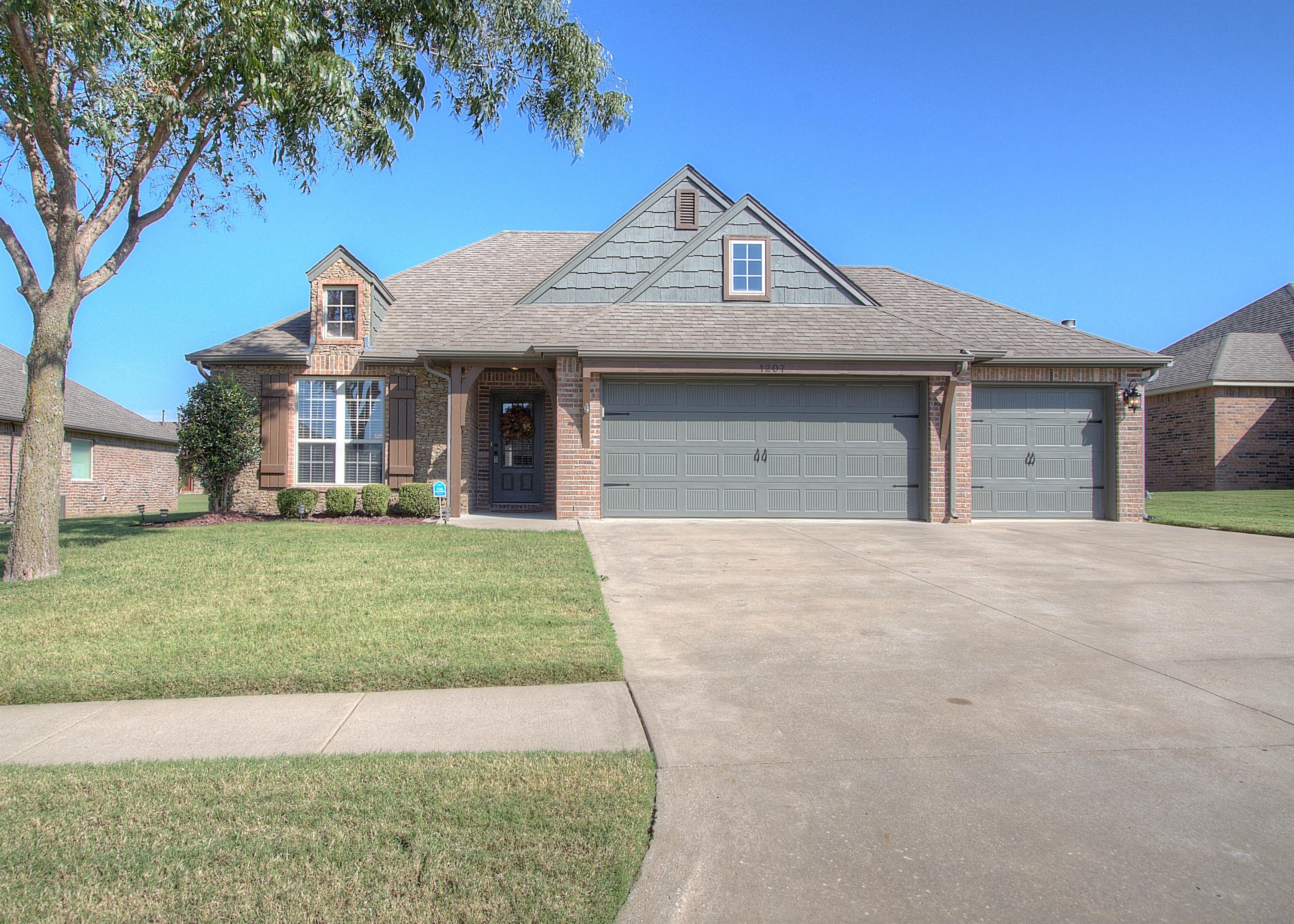 1207 E 134th Place Property Photo