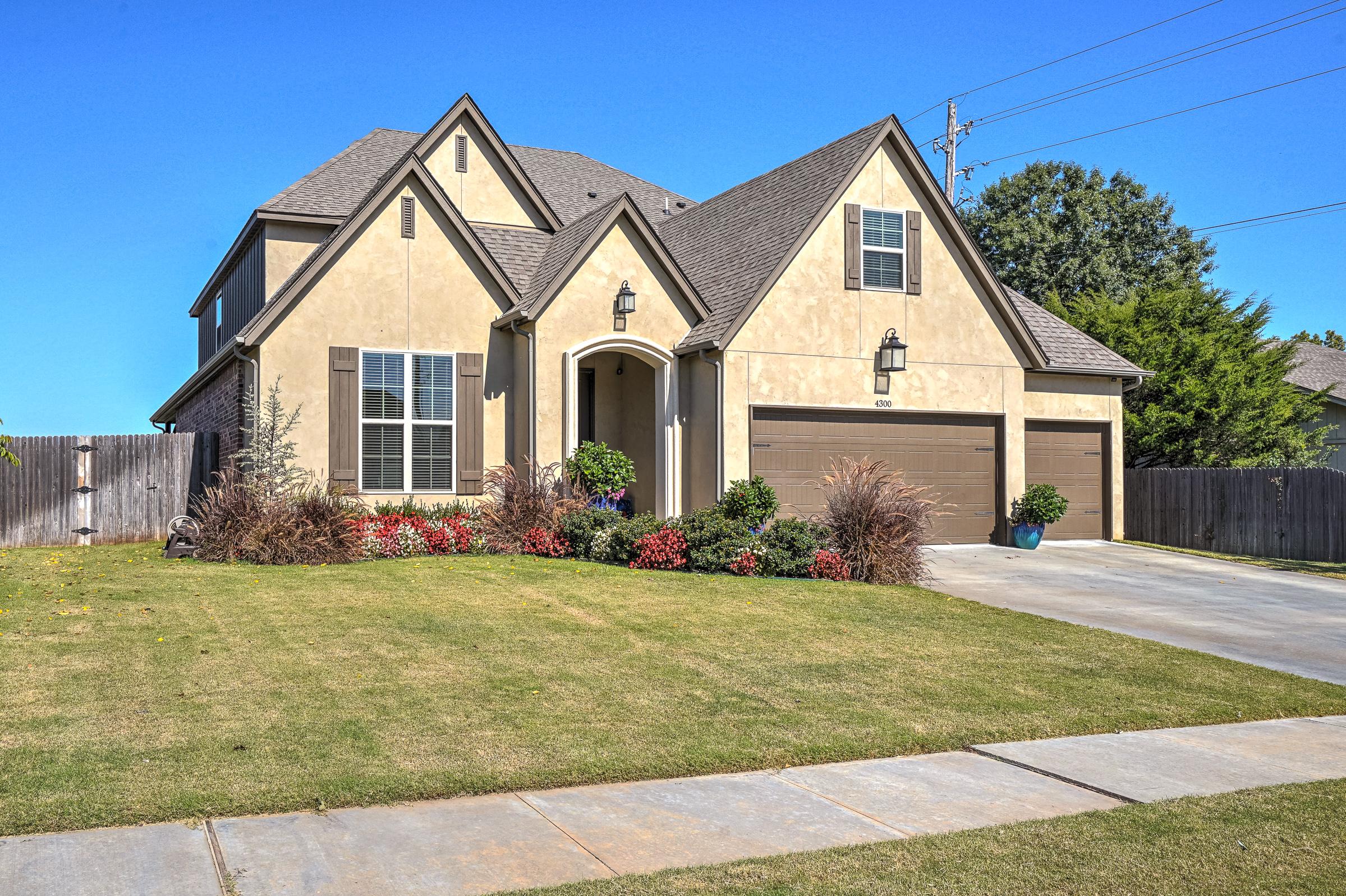 4300 W Oakridge Street Property Photo