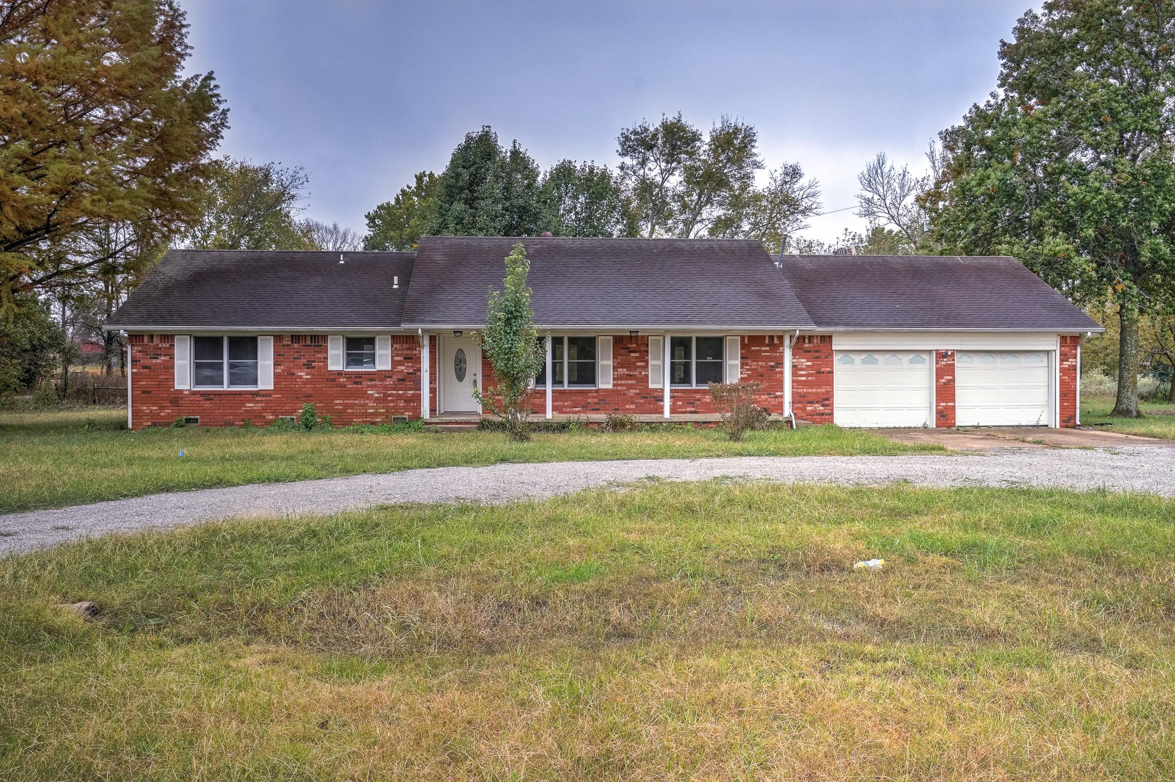13072 E 590 Road Property Photo