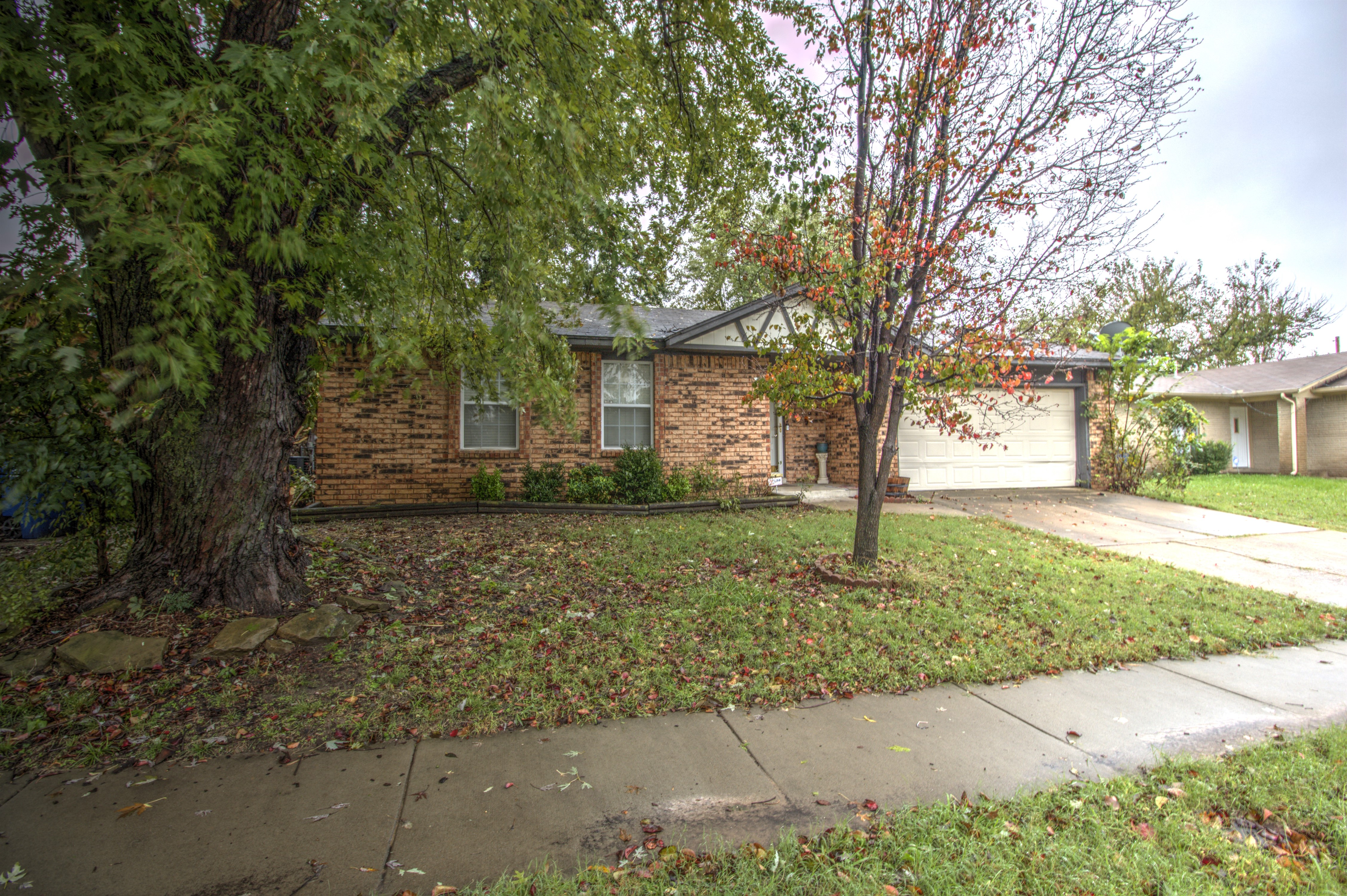 10712 E 38th Street Property Photo