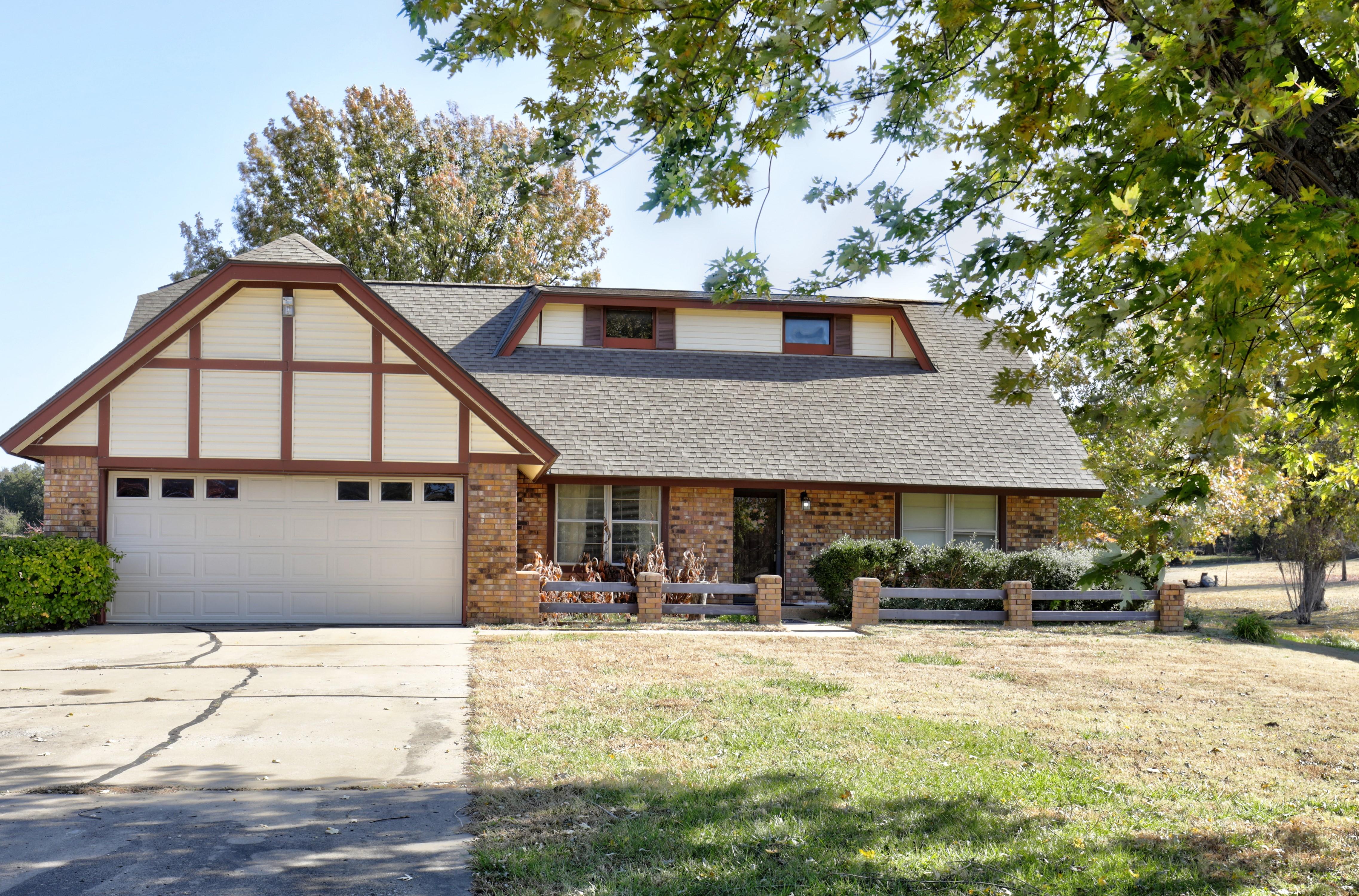 8535 Gary Drive Property Photo