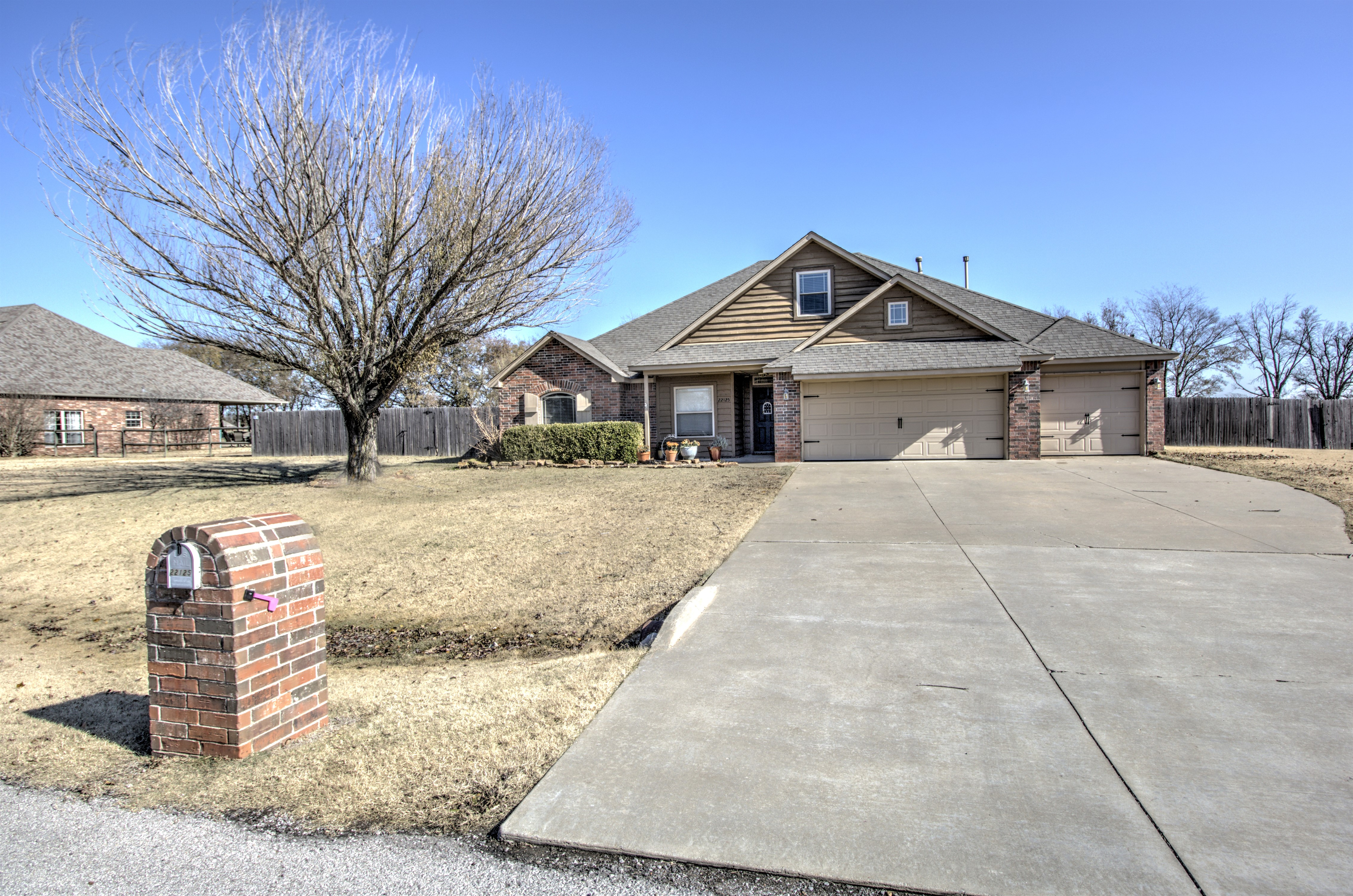 22125 Riverwood Drive Property Photo