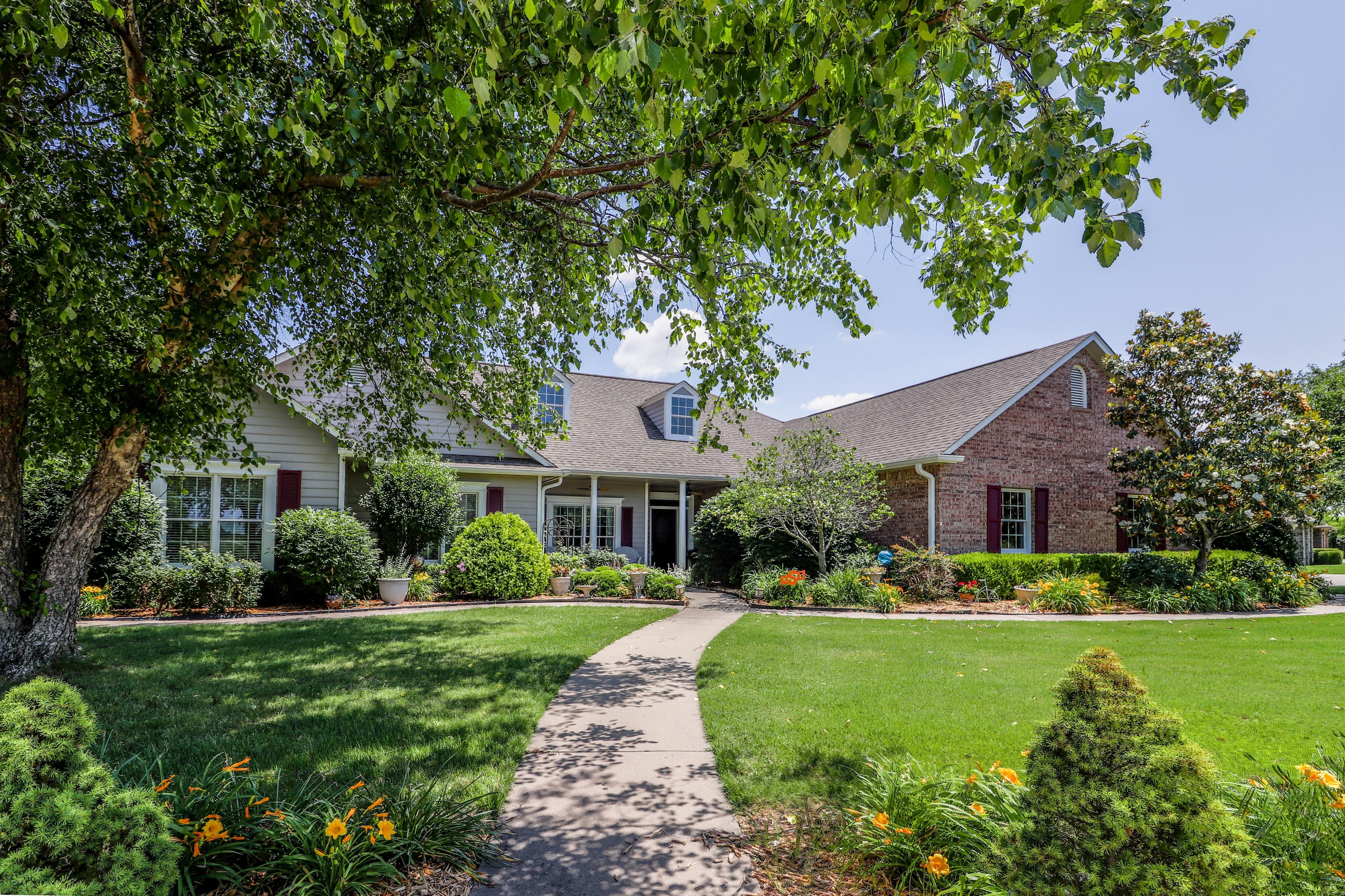 1702 Crestview Avenue Property Photo