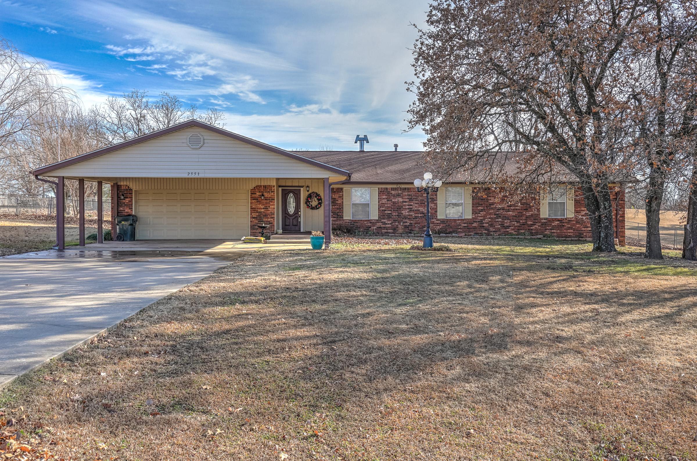 2551 Thunderbird Lane Property Photo 1