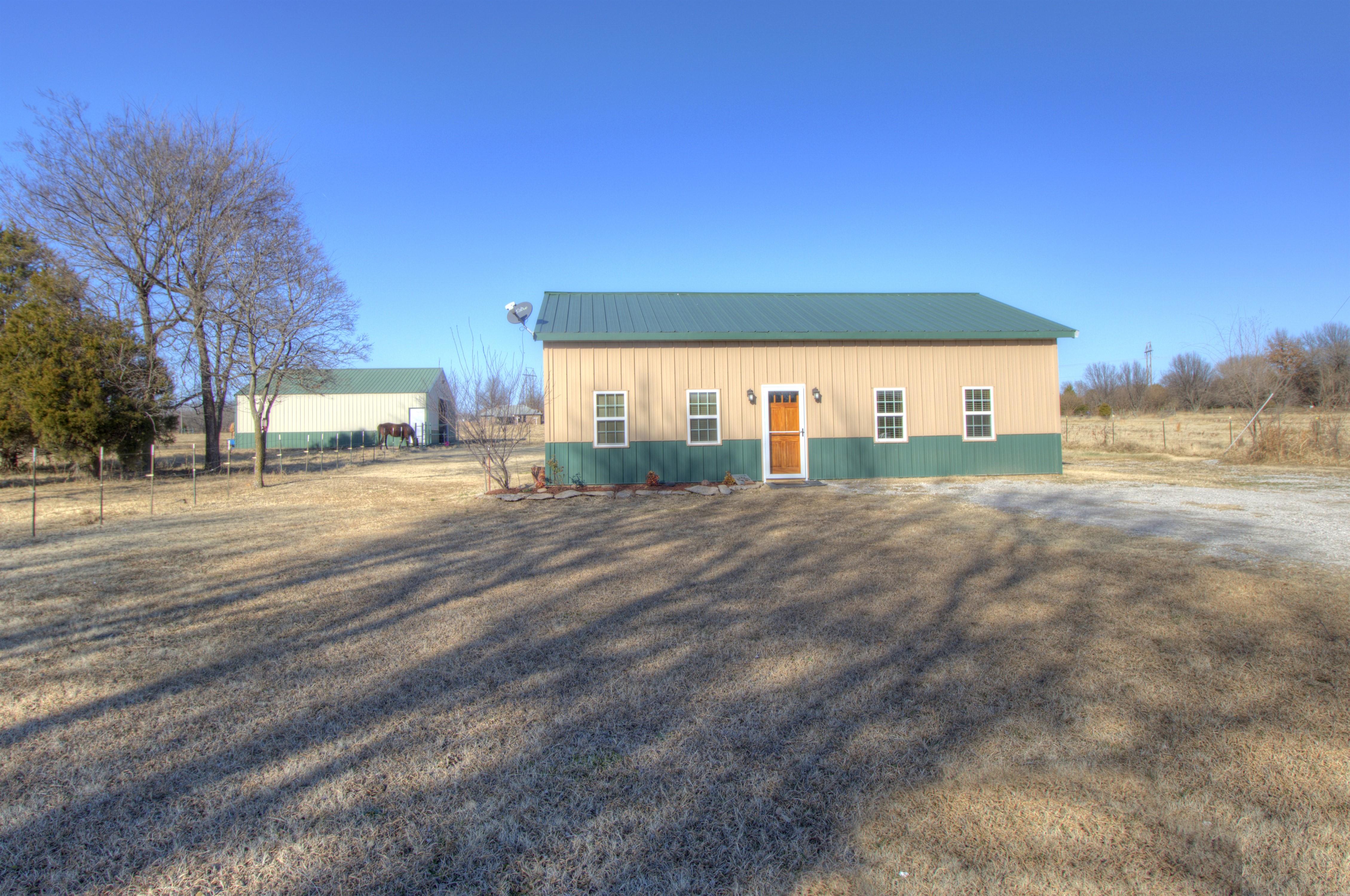 4807 E 472 Road Property Photo