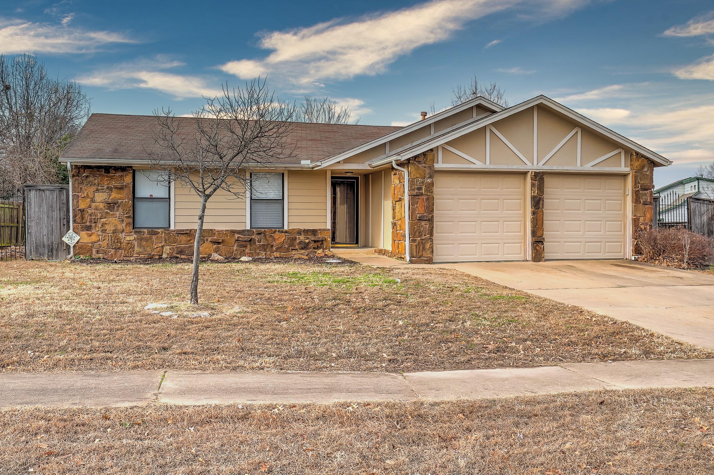 500 S Oak Avenue Property Photo