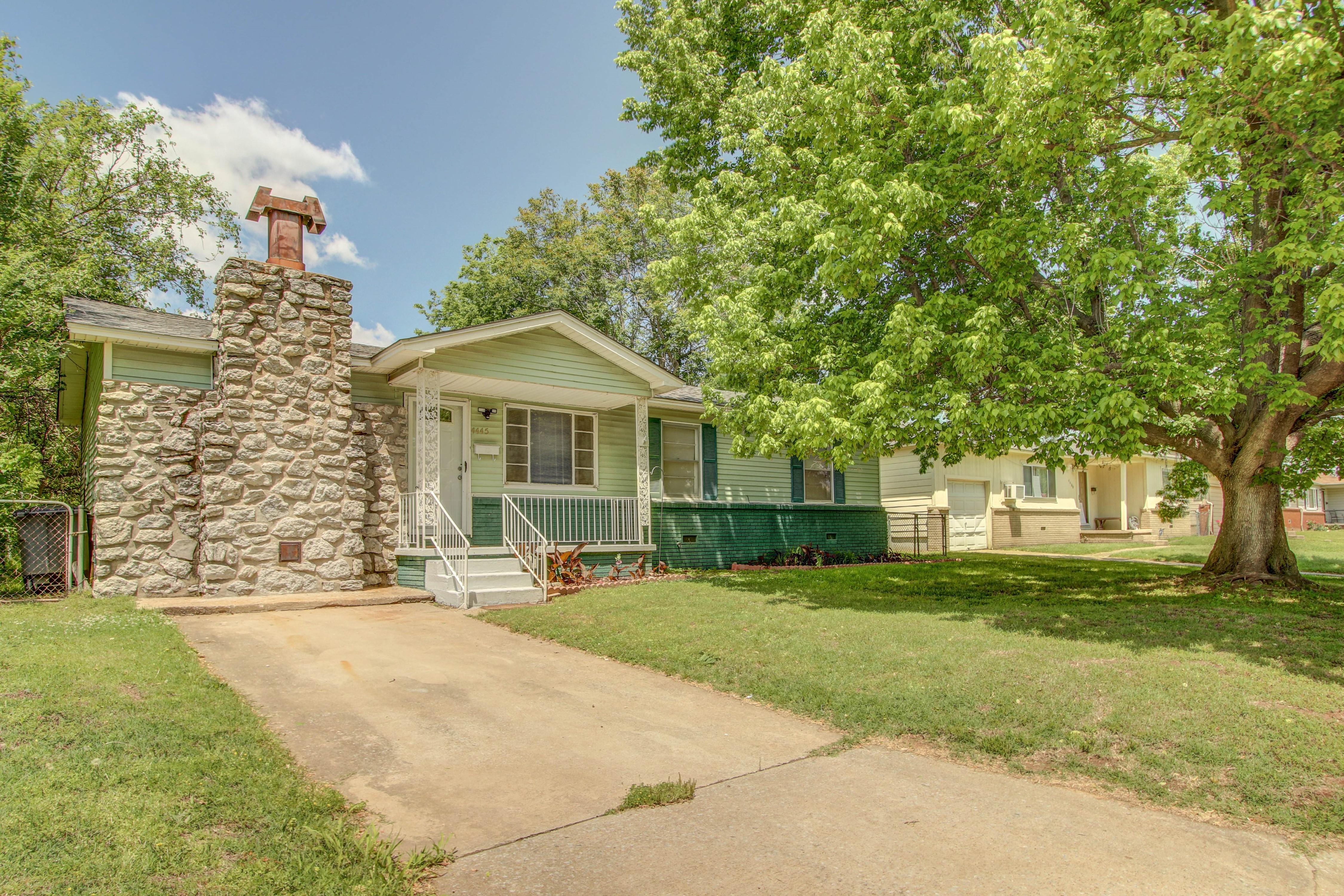 4445 W 1st Street Property Photo