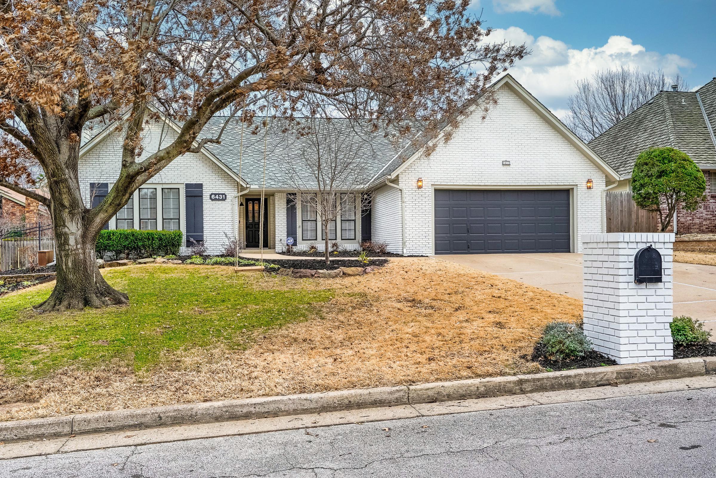 6431 S Richmond Avenue Property Photo