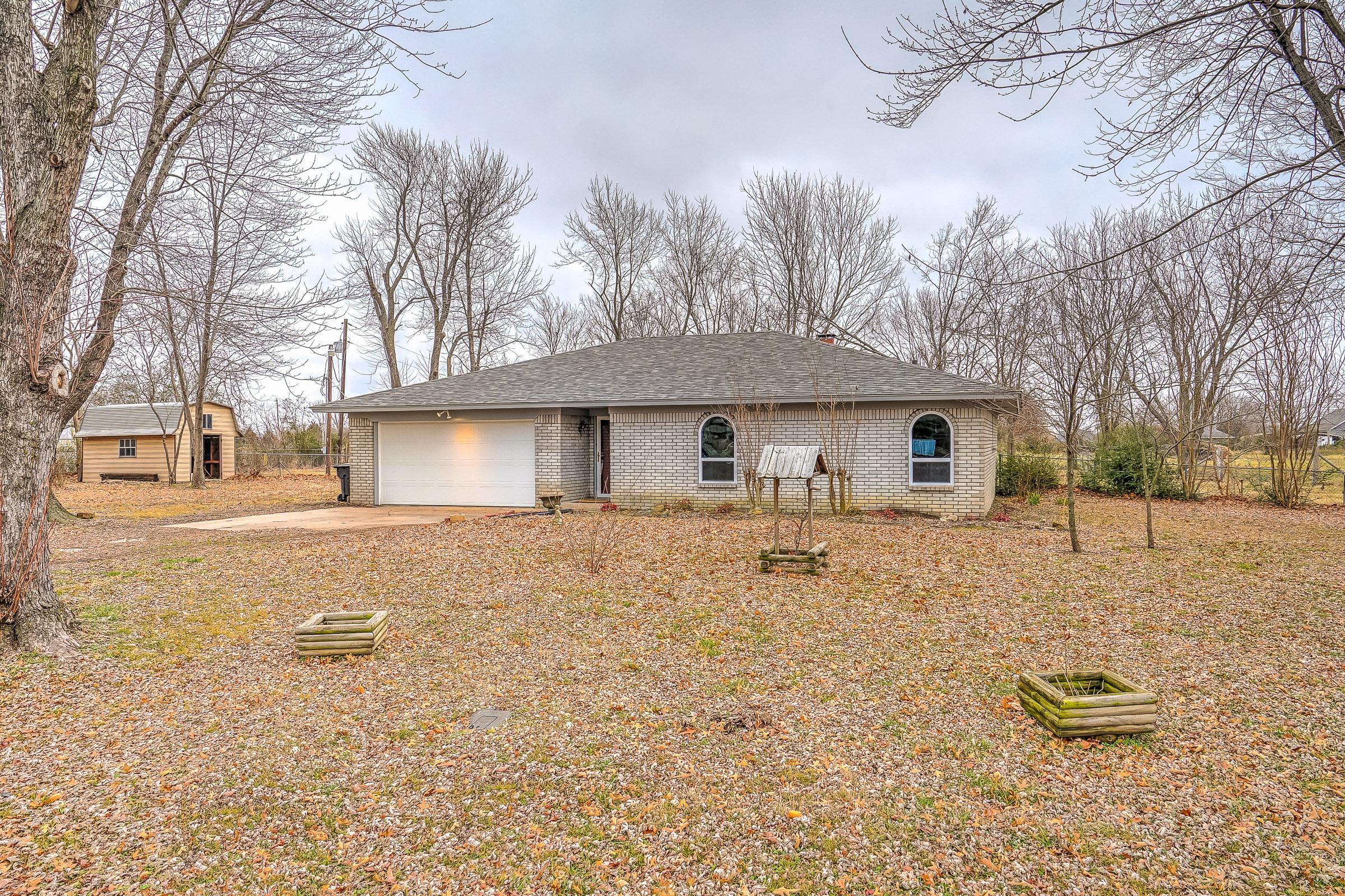 24795 S Plainview Avenue Property Photo