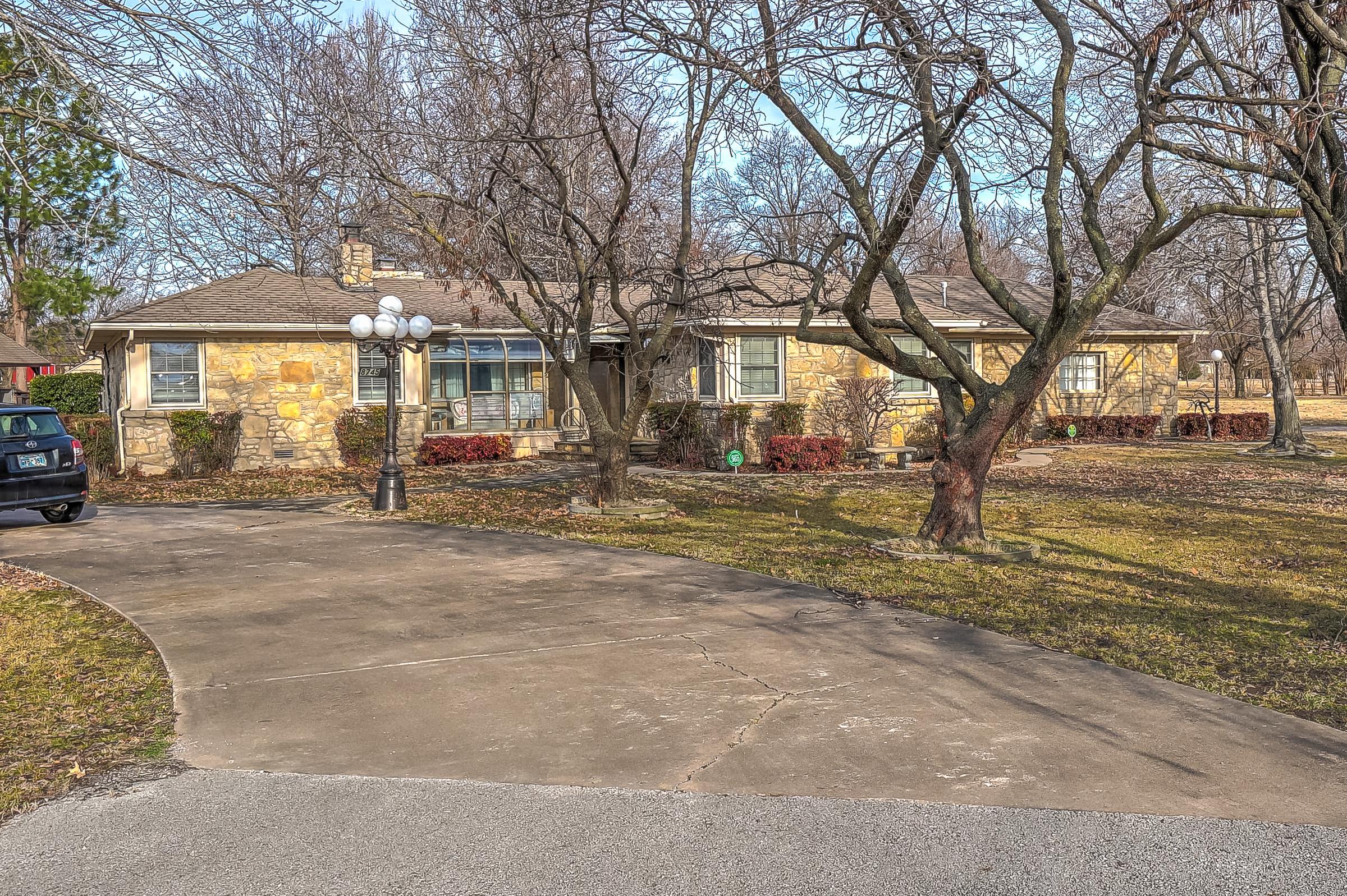 8745 E 9th Street Property Photo