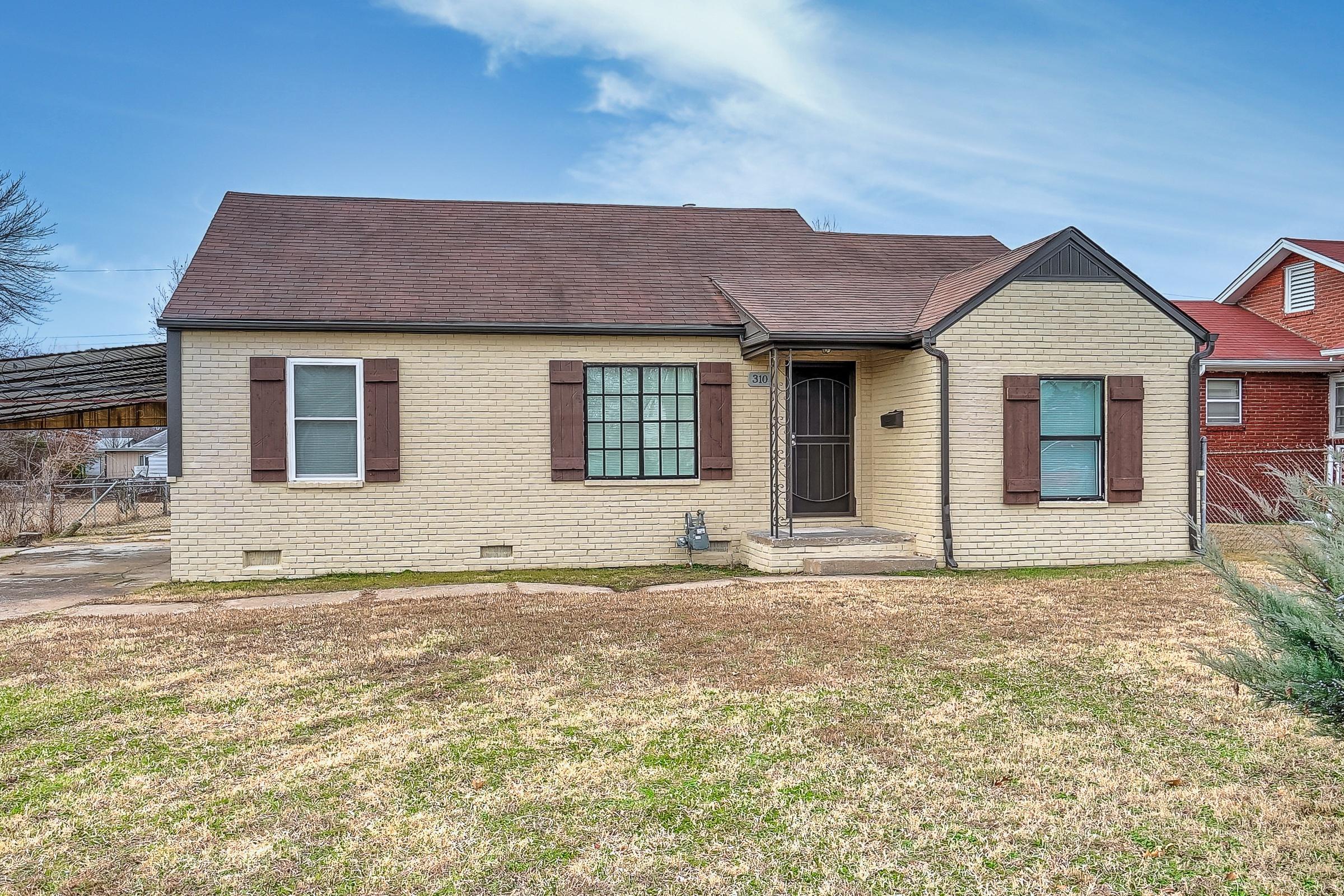 310 E Zion Street Property Photo