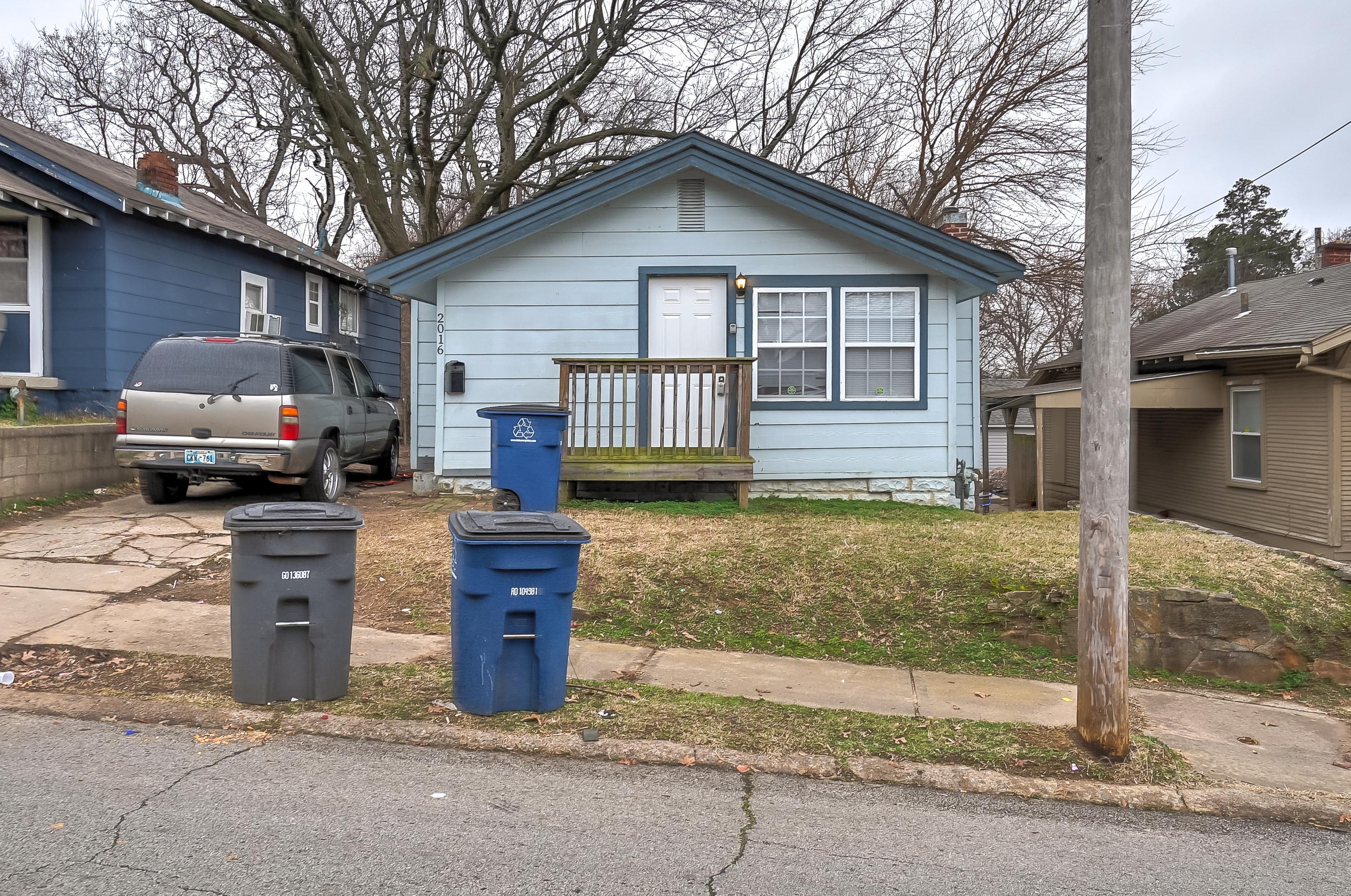 2016 W Easton Street Property Photo