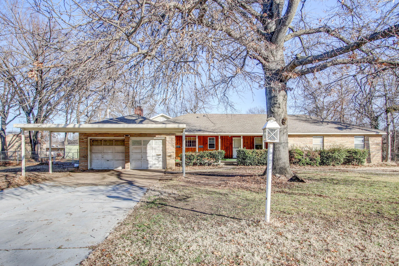 5731 E 5th Street Property Photo