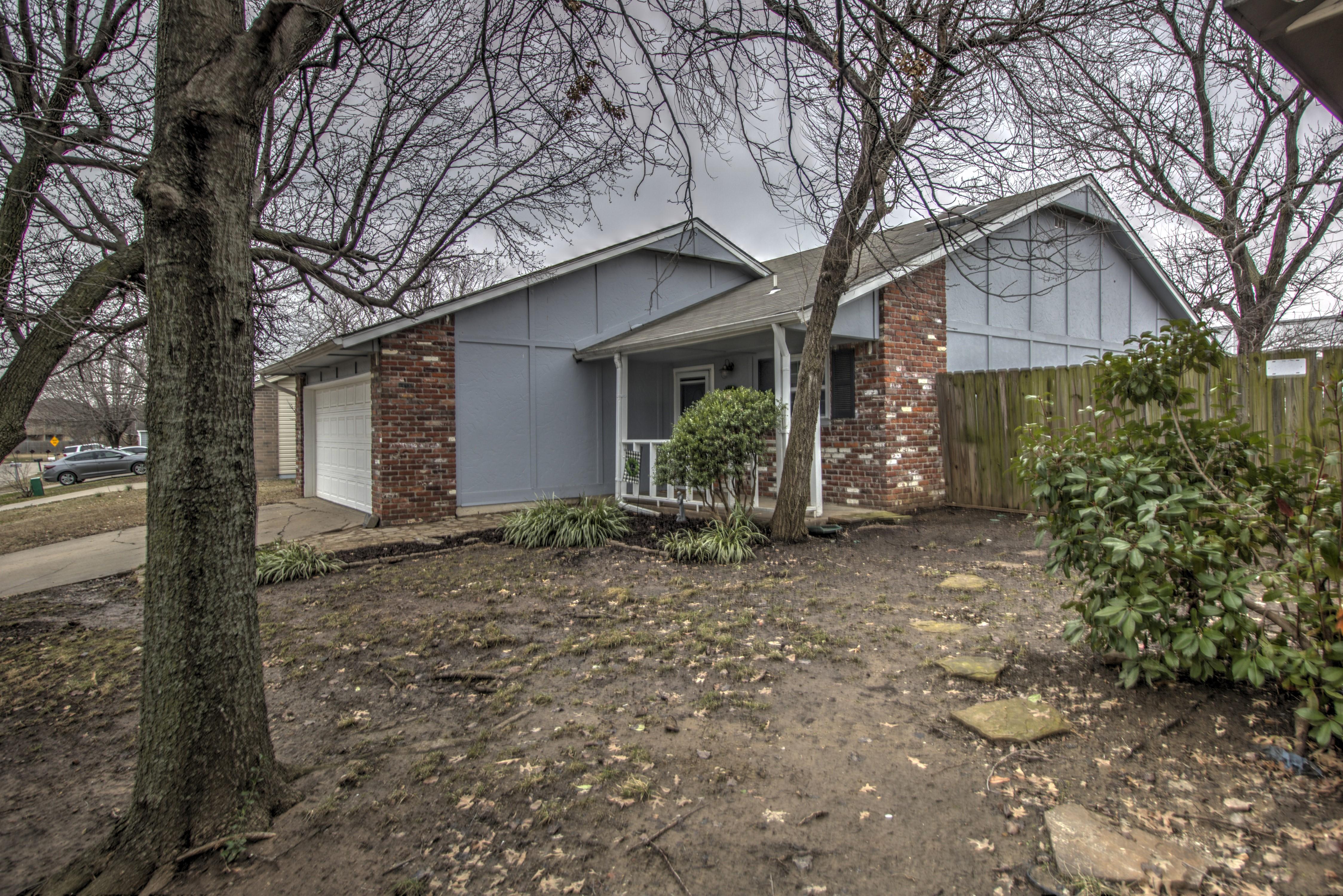 8418 N 116th East Avenue Property Photo