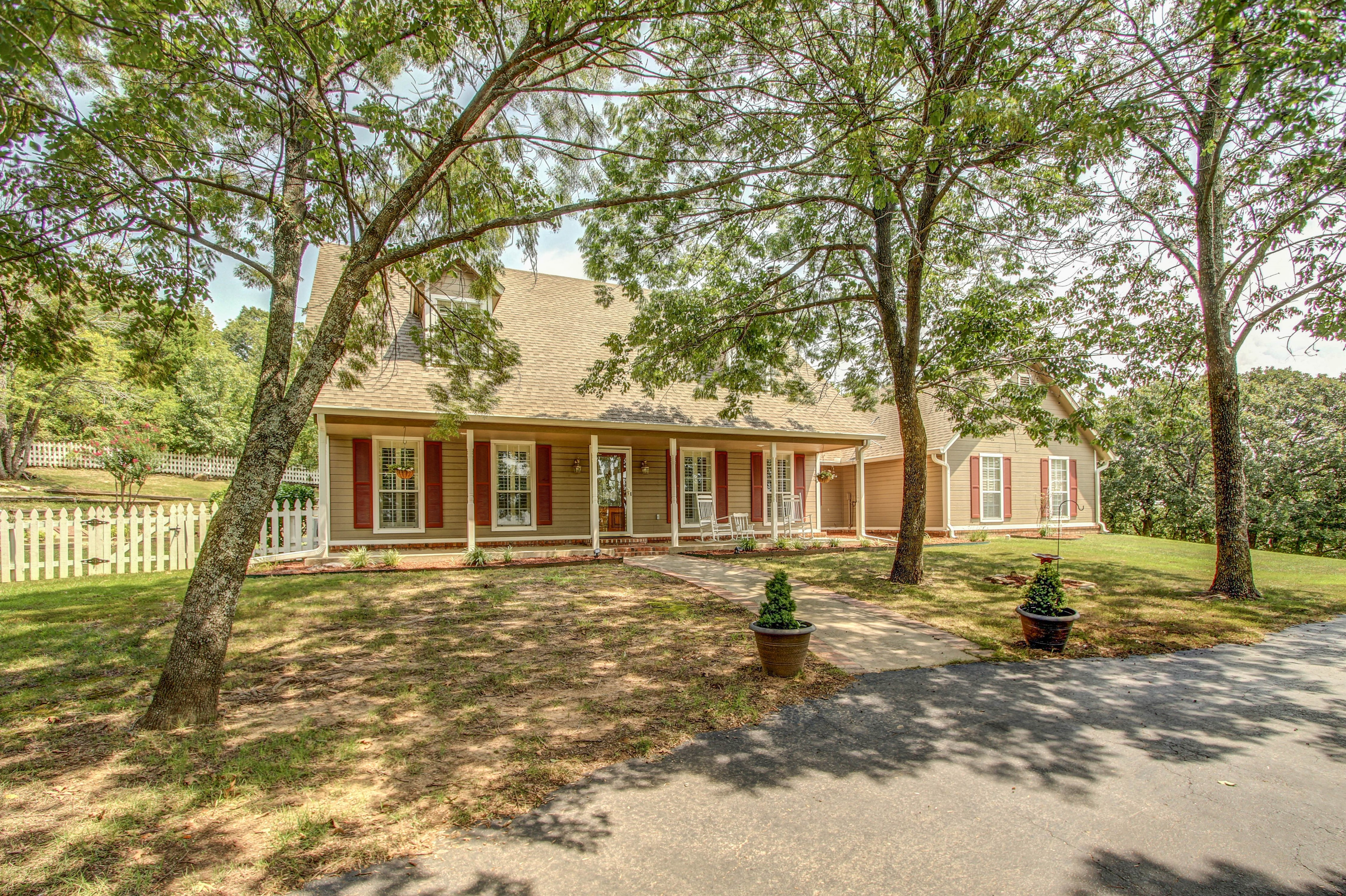16829 N Deer Meadow Road Property Photo 1