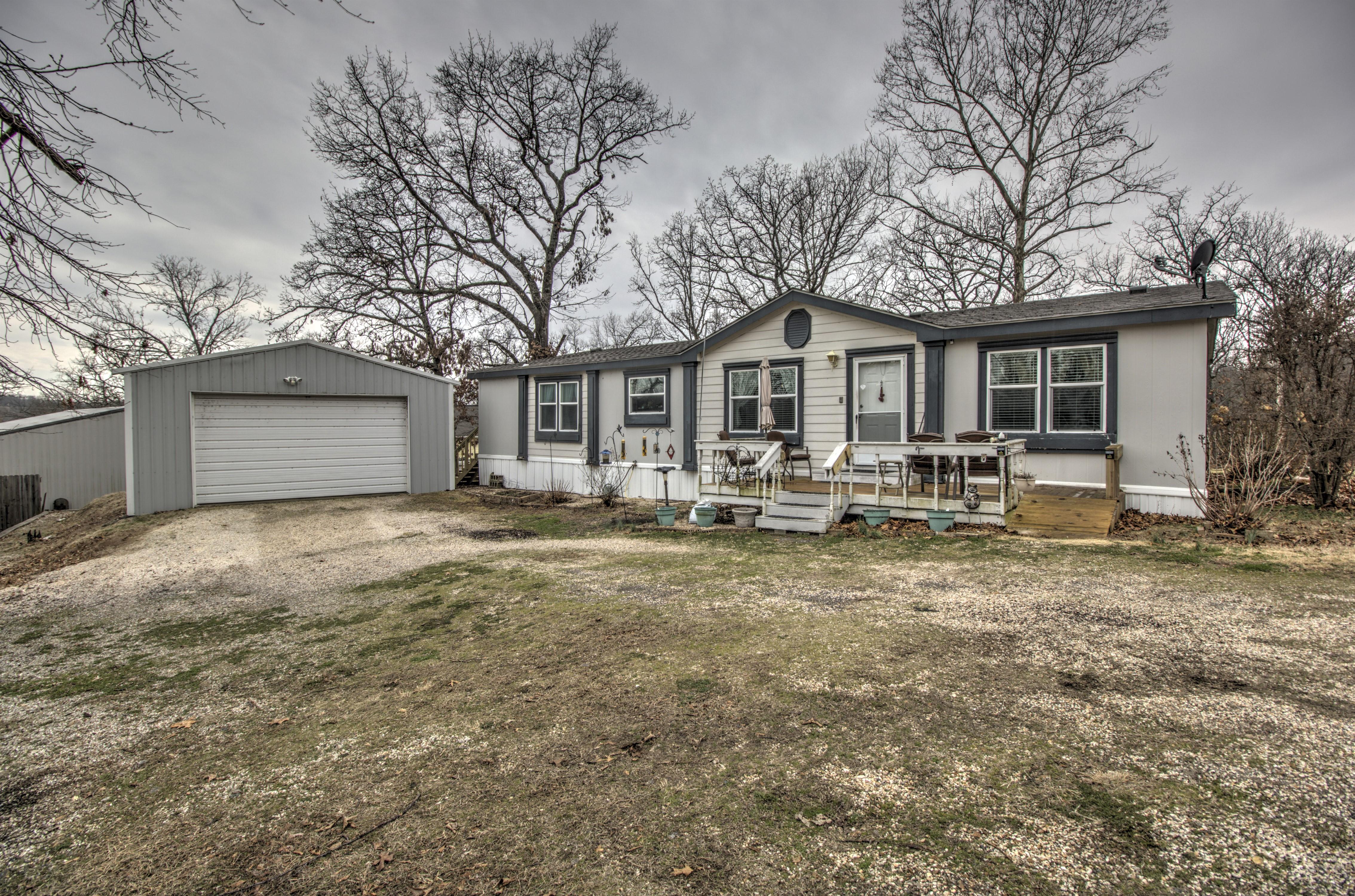 698 SE 4438 Drive Property Photo
