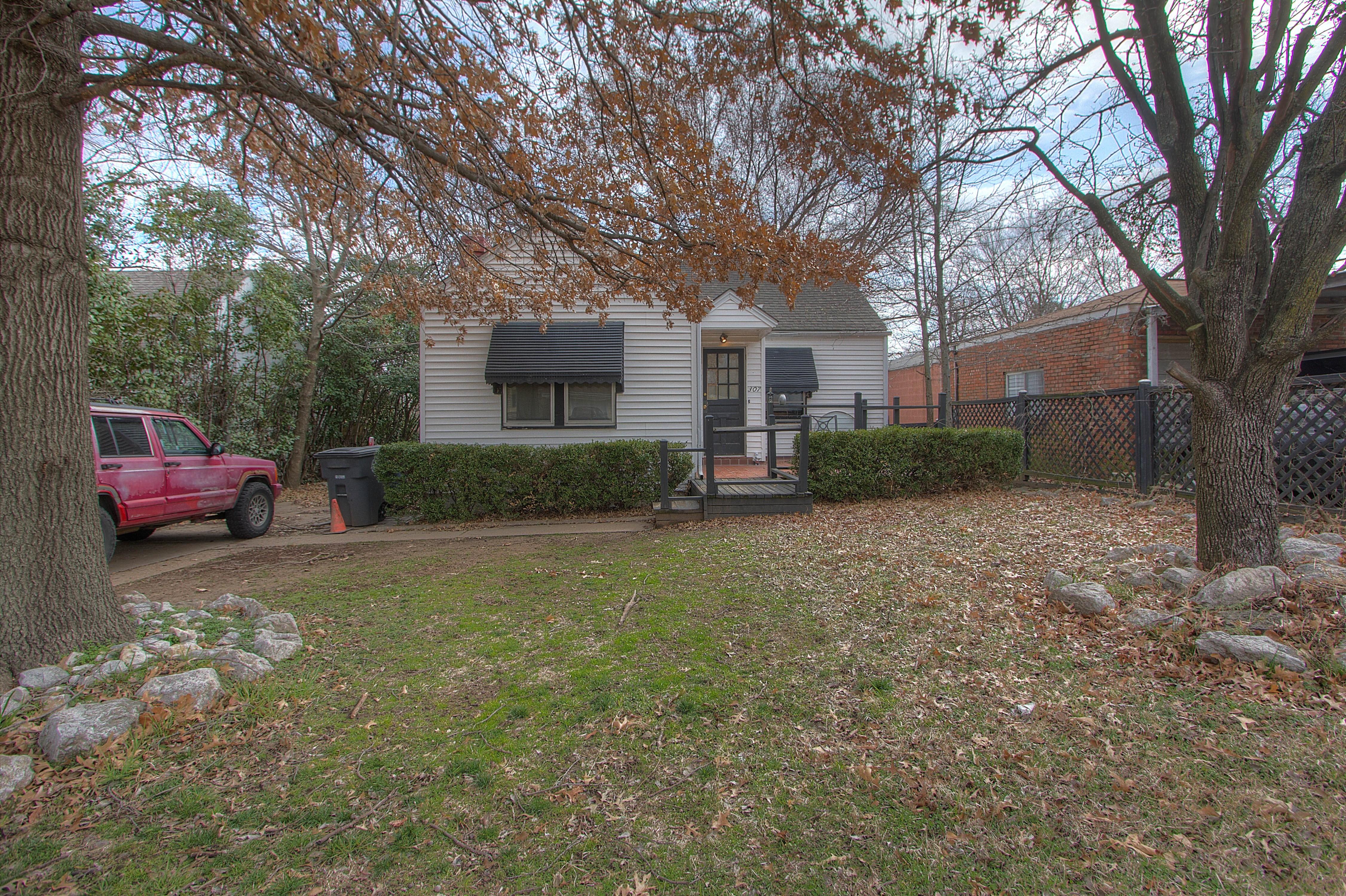 307 S Pittsburg Avenue Property Photo